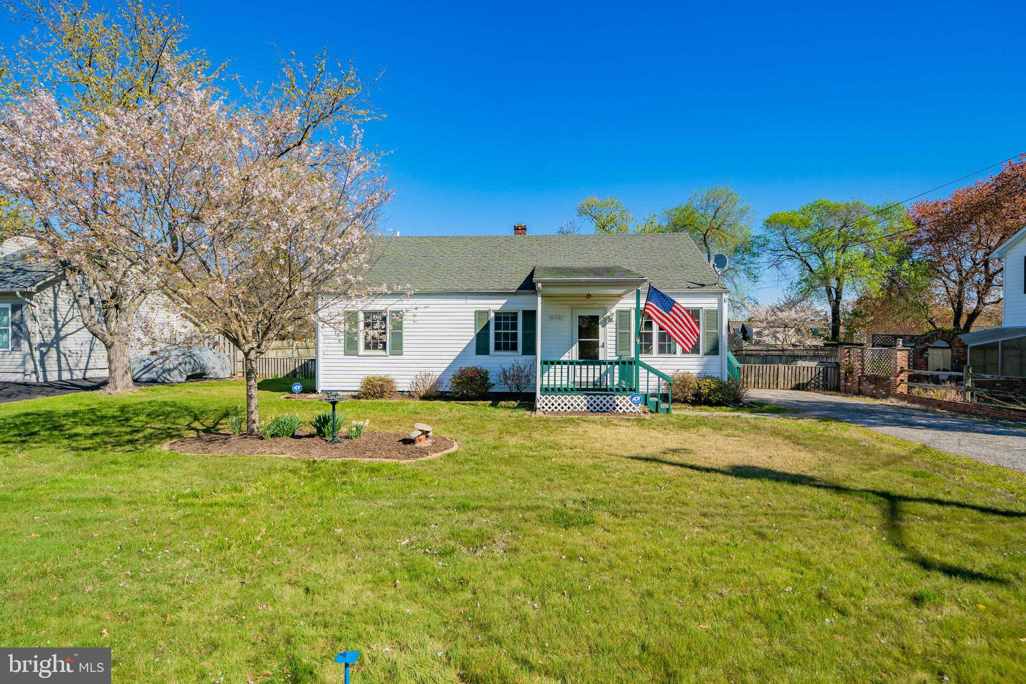 This charming 3 bedroom home is ready for its next owners! This home has been well maintained and fe
