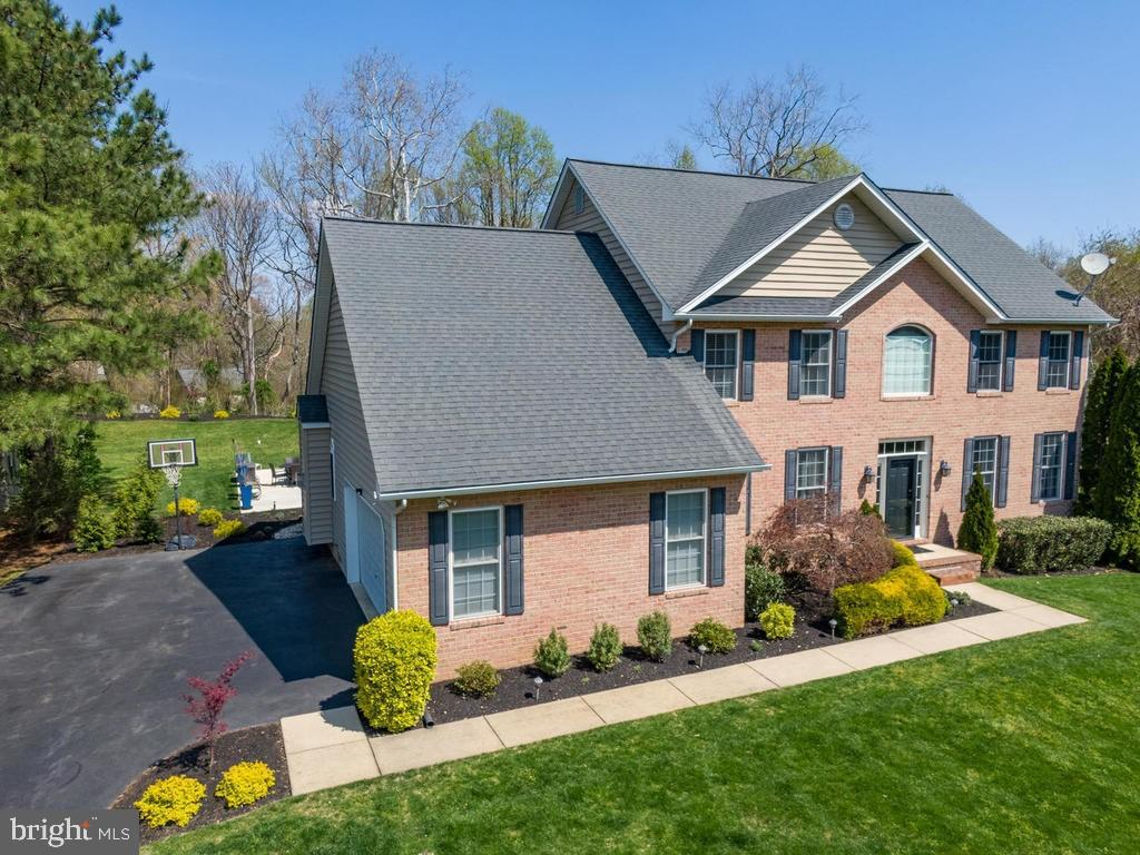 Welcome to 7812 Lake Shore Drive in highly sought after Community in Northern Calvert!  Victoria Sta