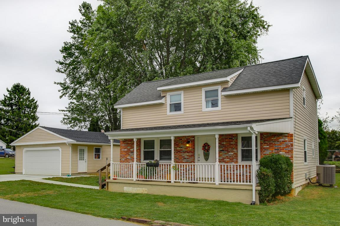 Beautiful 3 Bedroom,  2.5 Bath Colonial in Sykesville.  Renovated in 2016.   Spacious Kitchen offers