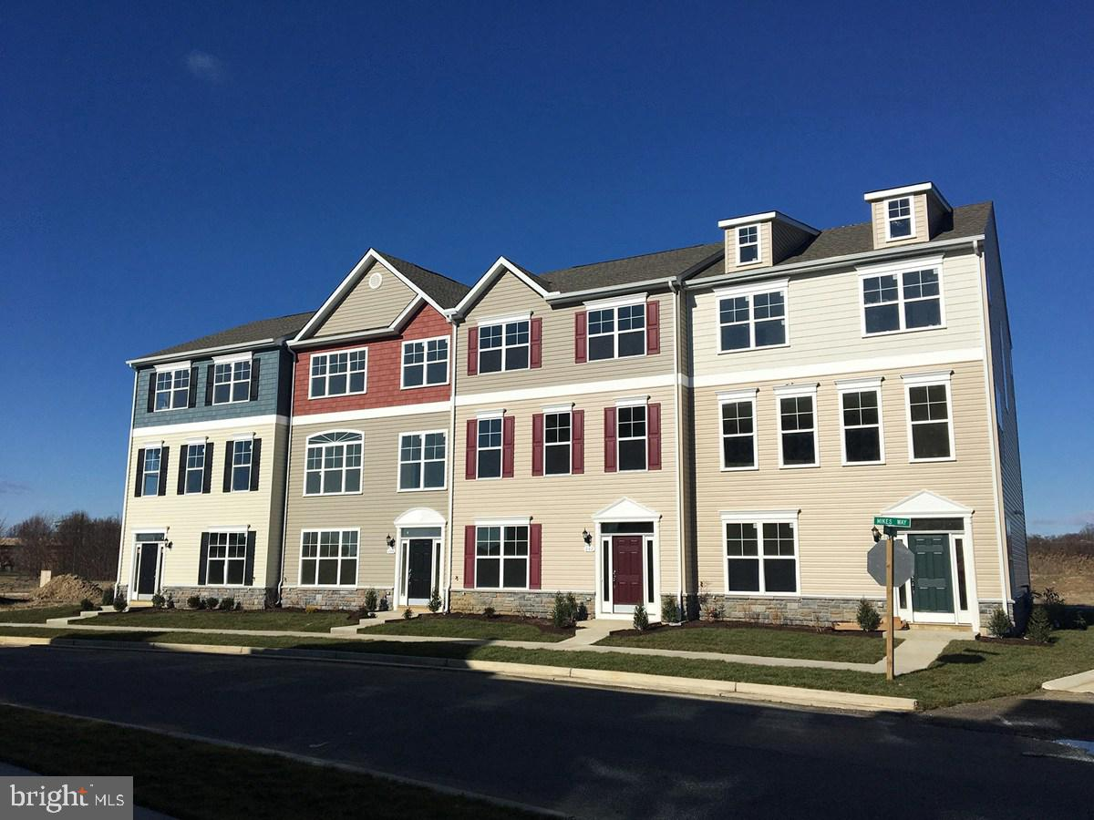 Just released and Ready for Immediate Occupancy. Join the community at Ellendale and enjoy the pool,