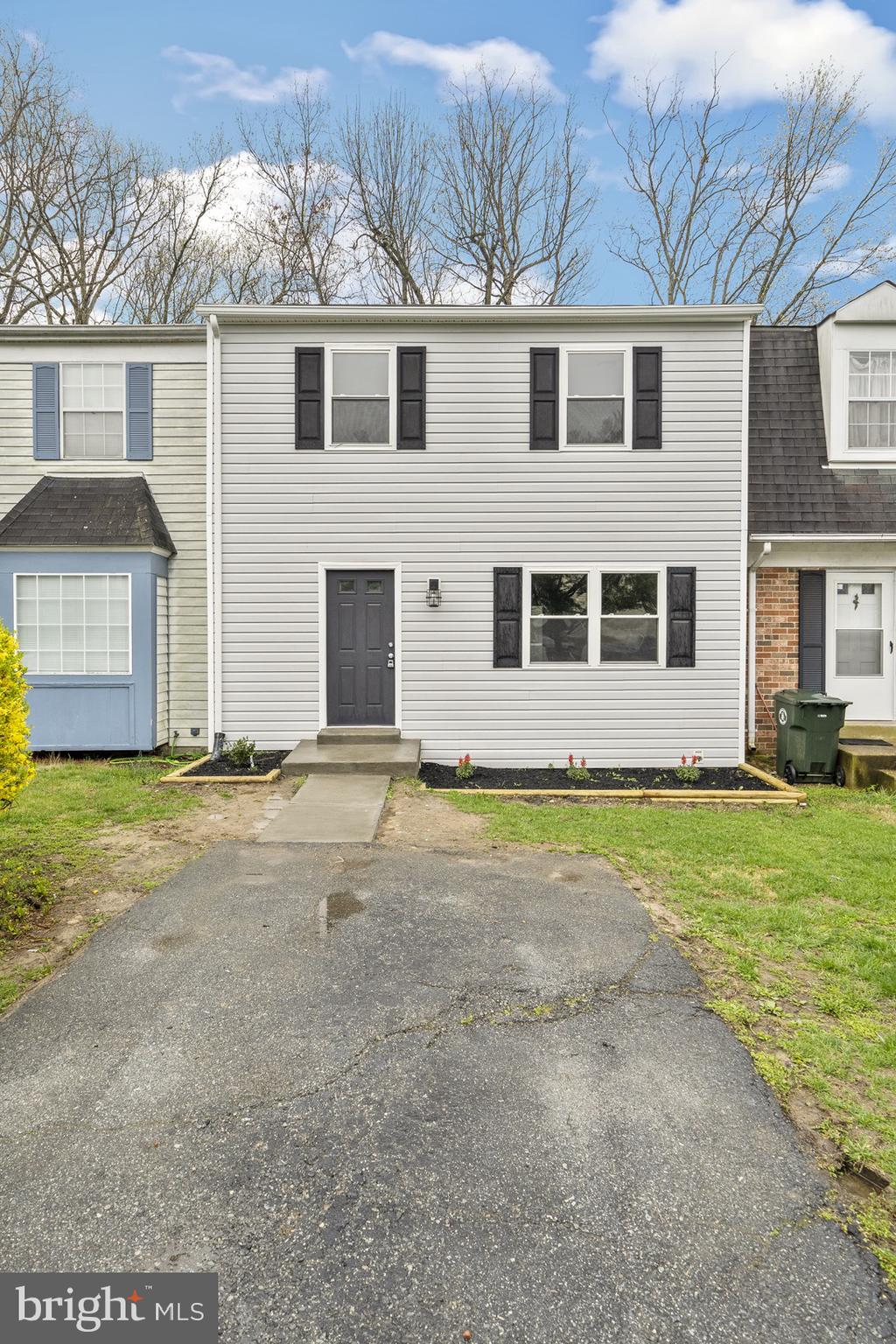 **USDA Eligible***Move-in ready. Updated 3 level townhome in Laplata. Close to shopping, businesses,