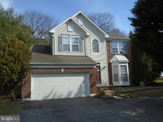 This Spacious Colonial in Foxchase features 2 car garage, 4 bedrooms and 3.1 baths. Huge deck off ki