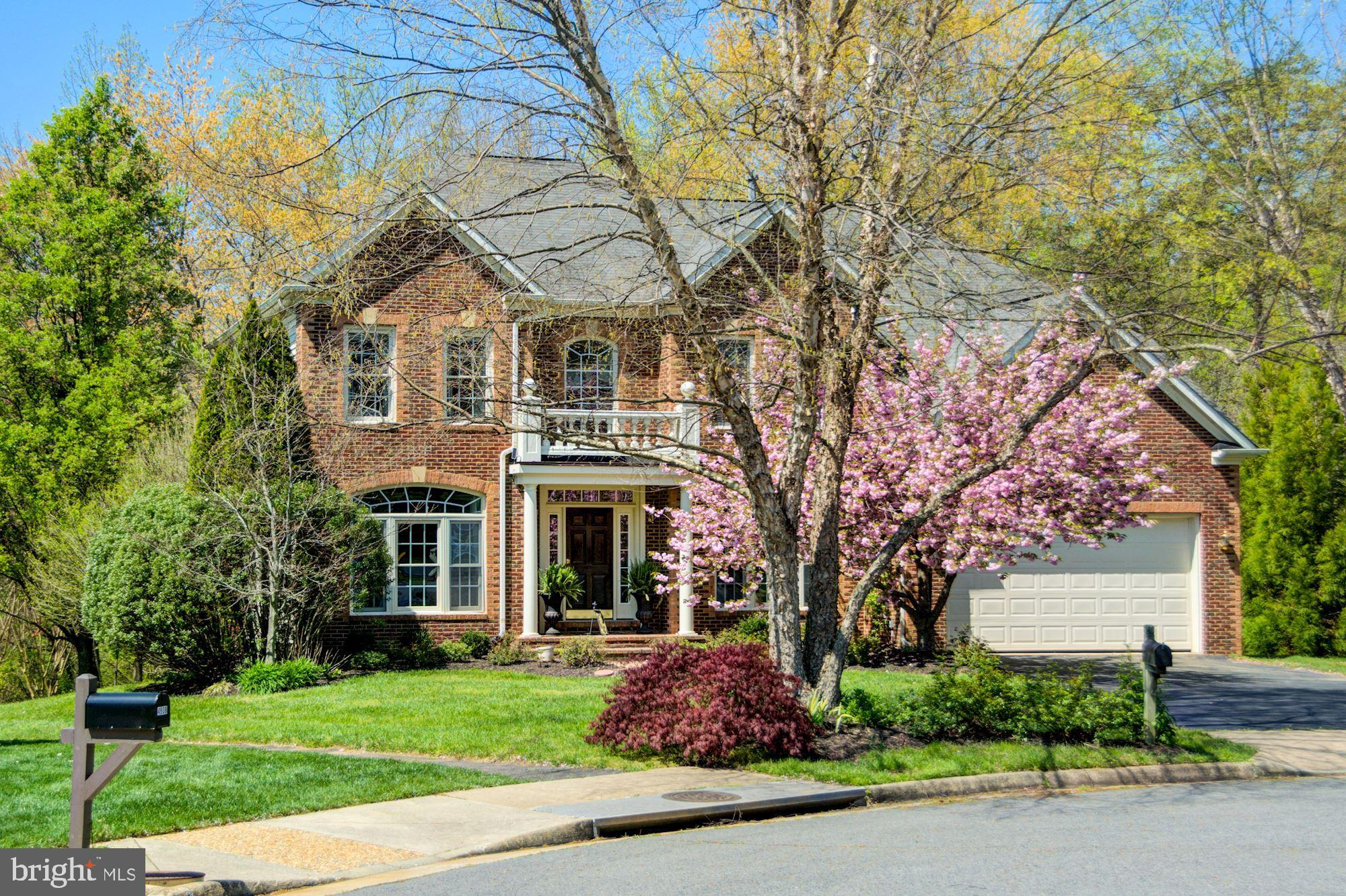 3D TOUR***   4906ElsaCt.com  Amazing home located at the end of a cul-de-sac and backing to woods offering complete privacy. Grand entrance with 2 story foyer and tons of natural light. Main level is loaded with hardwood floors and a much desired open floor plan. Two story family room off kitchen with gas fireplace and over sized windows. Private office just off family room with amazing views of your secluded lush green yard. Gourmet kitchen with counter top seating, kitchen island, tons of cabinet space and opens to sun room loaded with windows and natural light. Walk out to 2 tiered deck with absolute privacy and tons of room for entertaining. Upper level with 4 bedrooms and a master suite with walk-in closet and luxury bath. Luxury bath that offers stand up shower and separate soaking tub. Lower level with large rec room, huge bar area, full size windows and walkout to flat back yard. Lower level also has great storage 2 more bedrooms not to code and full bathroom. Two minute drive to I-66 HOV Eastbound lanes. Minutes to Fair Lakes shopping, elementary and Middle school, Route 29, and Fairfax County Parkway. This is truly a fantastic home that checks every box!