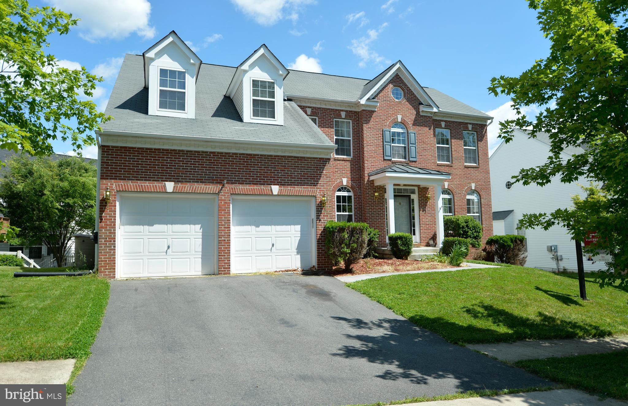 Lovely all brick single family home in the heart of Round Hill!  New paint, new carpet throughout en