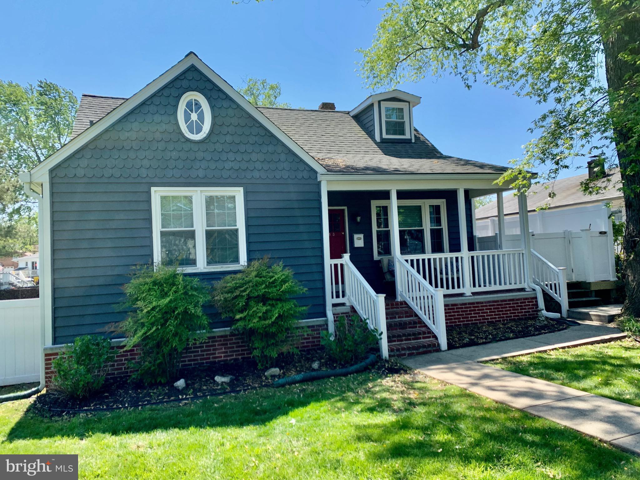 FRESHLY PAINTED AND READY TO GO!  IMMEDIATE OCCUPANCY!  Stunning Cape cod in water oriented communit