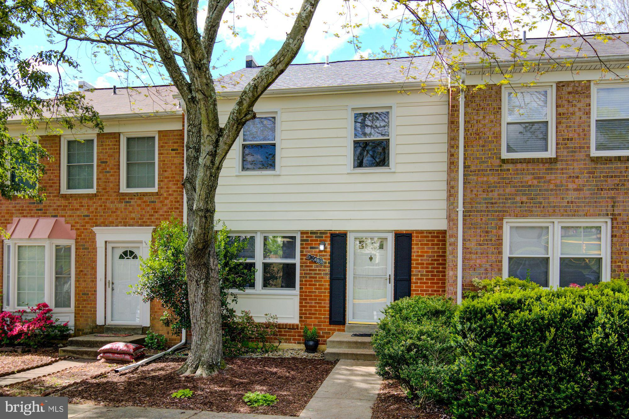 You are invited to tour this charming 3 bedroom 2.5 bath townhome condo in Lake Ridge community just