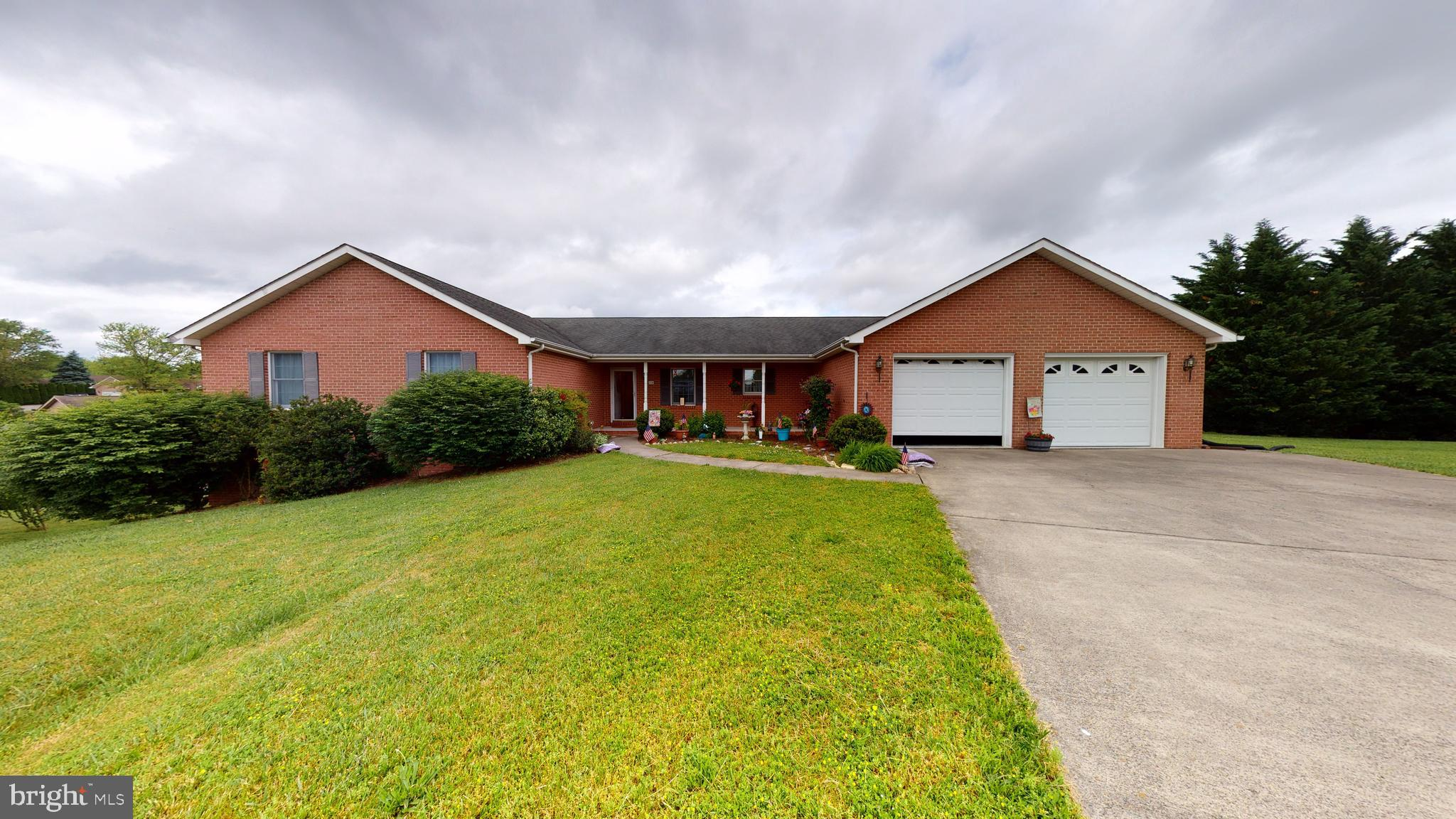 This home has many wonderful features!   The home is located in the much desired Wakeland Manor  sub