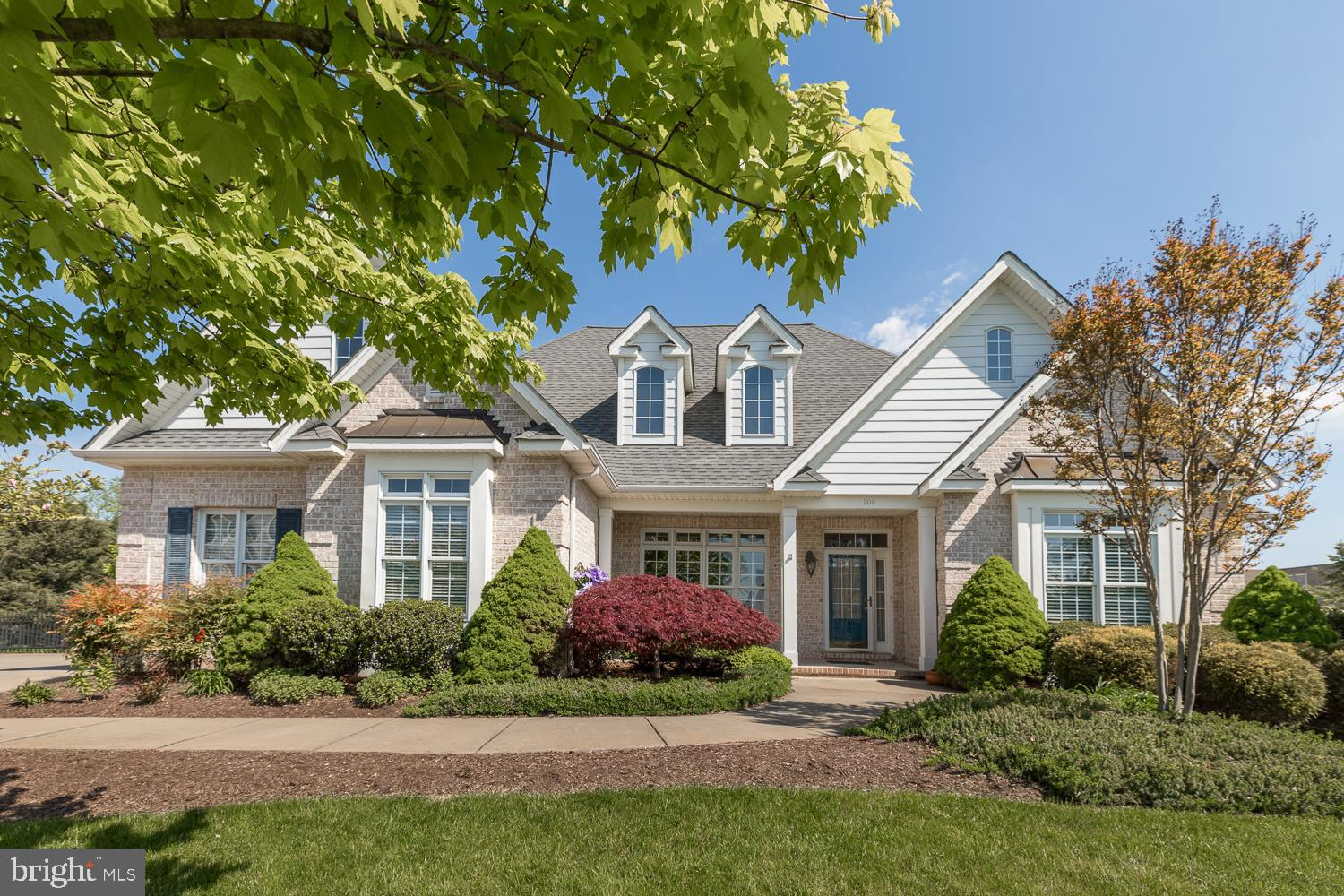 Welcome to this stunning Custom Brick ranch style home, nestled on a quiet cul-de-sac in Oakdale Cro