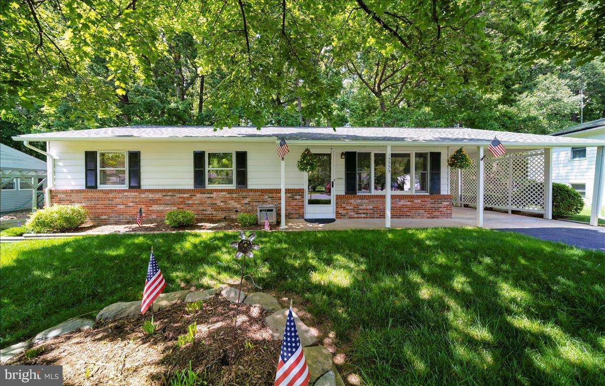 WELCOME HOME! A CHARMING AND COZY RANCHER, FRESHLY PAINTED, VERY CLEAN , AND WELL MAINTAINED!  OFFER