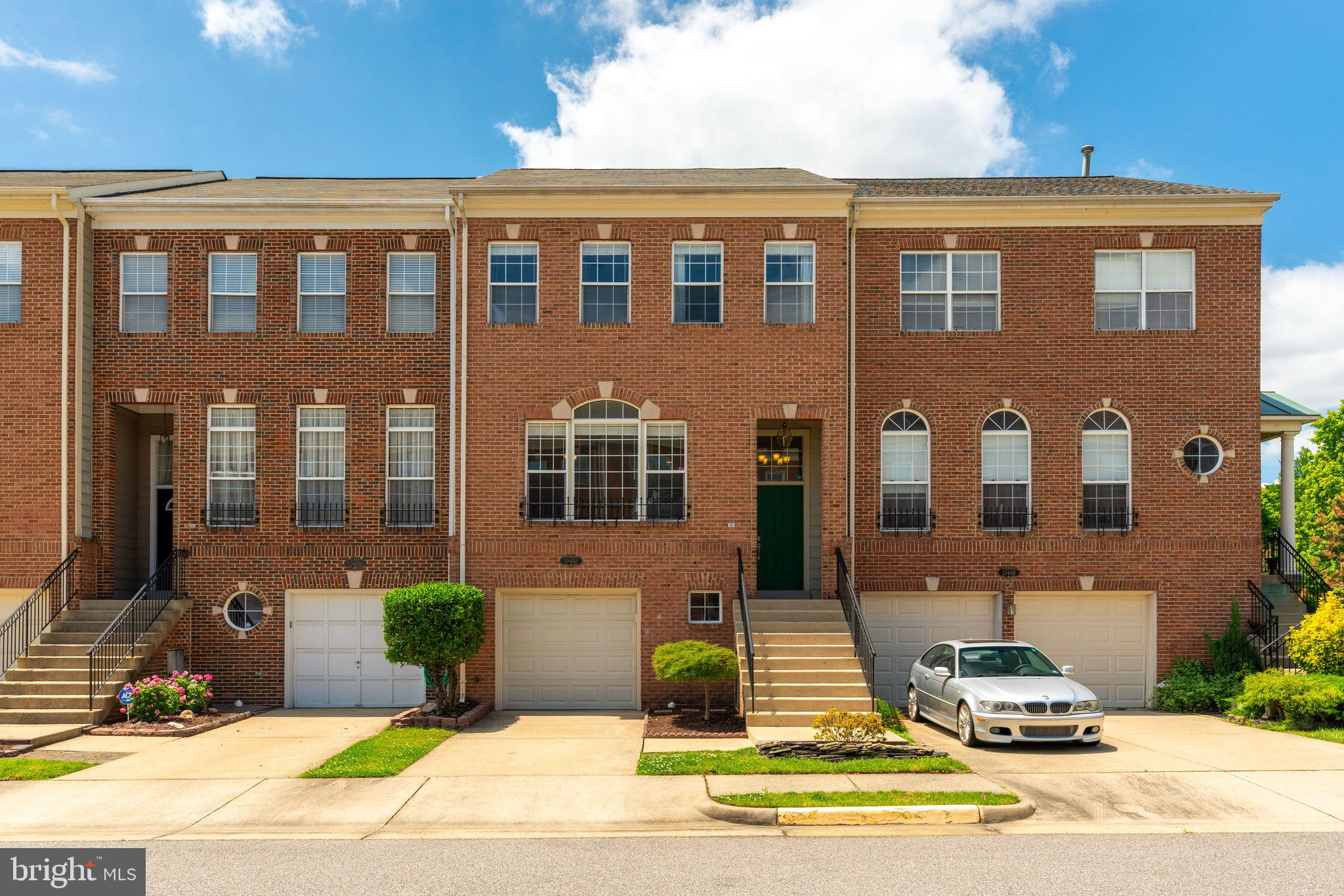 **Offer Deadline 6/1 5pm**Spacious Light Filled Townhome with 2426 Total Finished SQFT Located in Be
