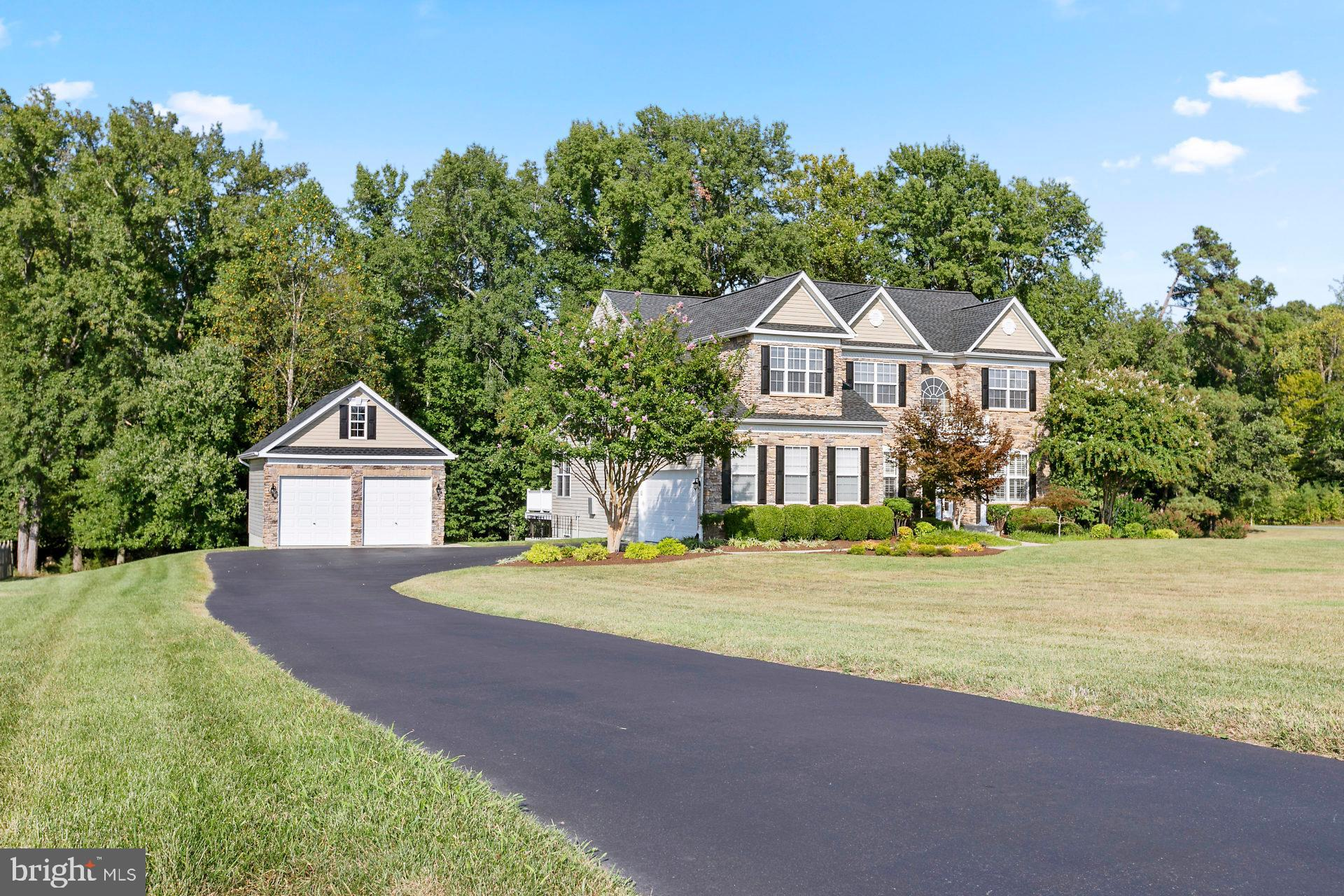 Located in the sought-out Leonardtown Farm neighborhood, this home has it all......The Pinehurst Mod