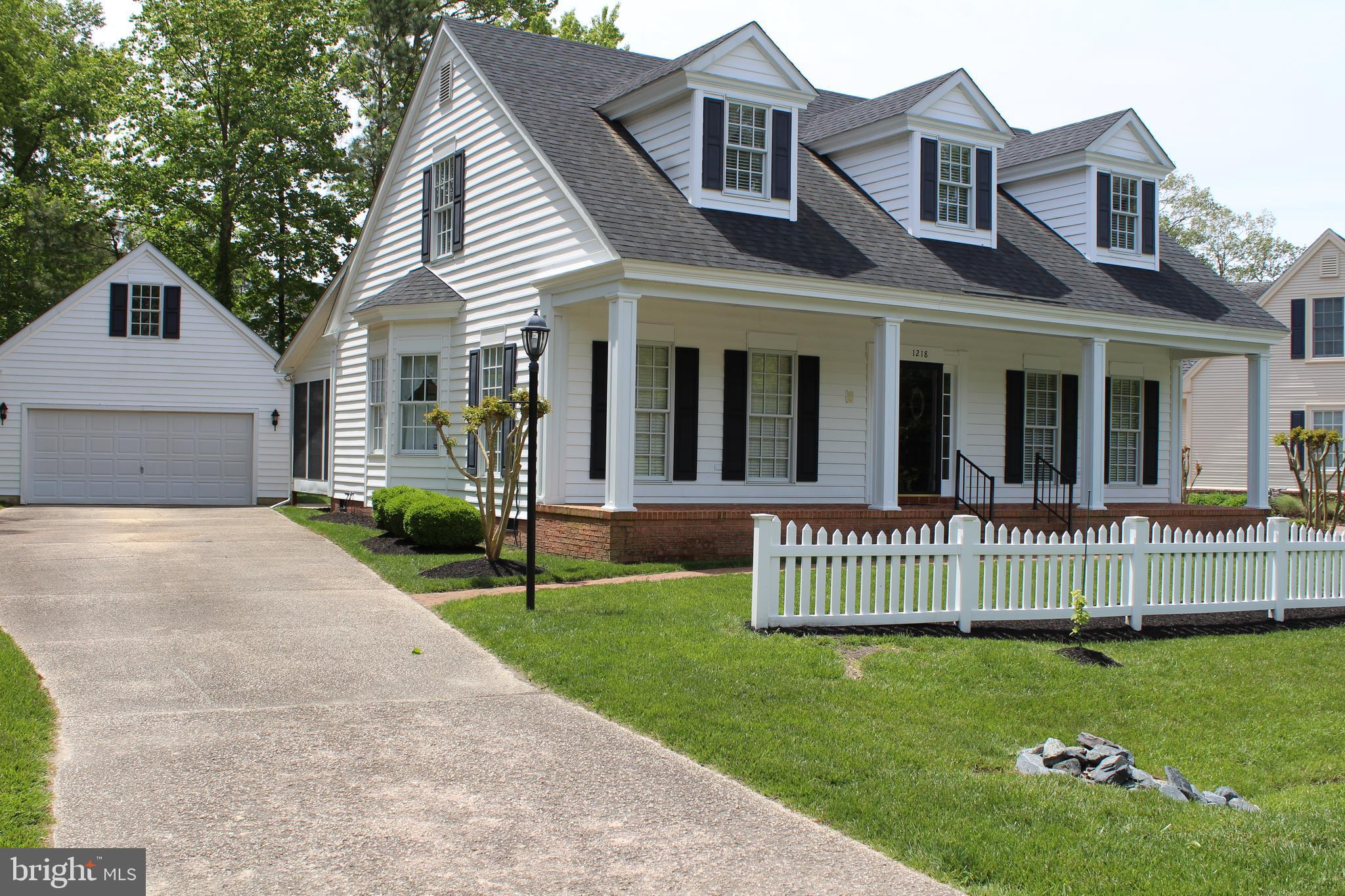 Colonial Village, an opportunity to own this 3 bedroom home in this unique Williamsburg community in