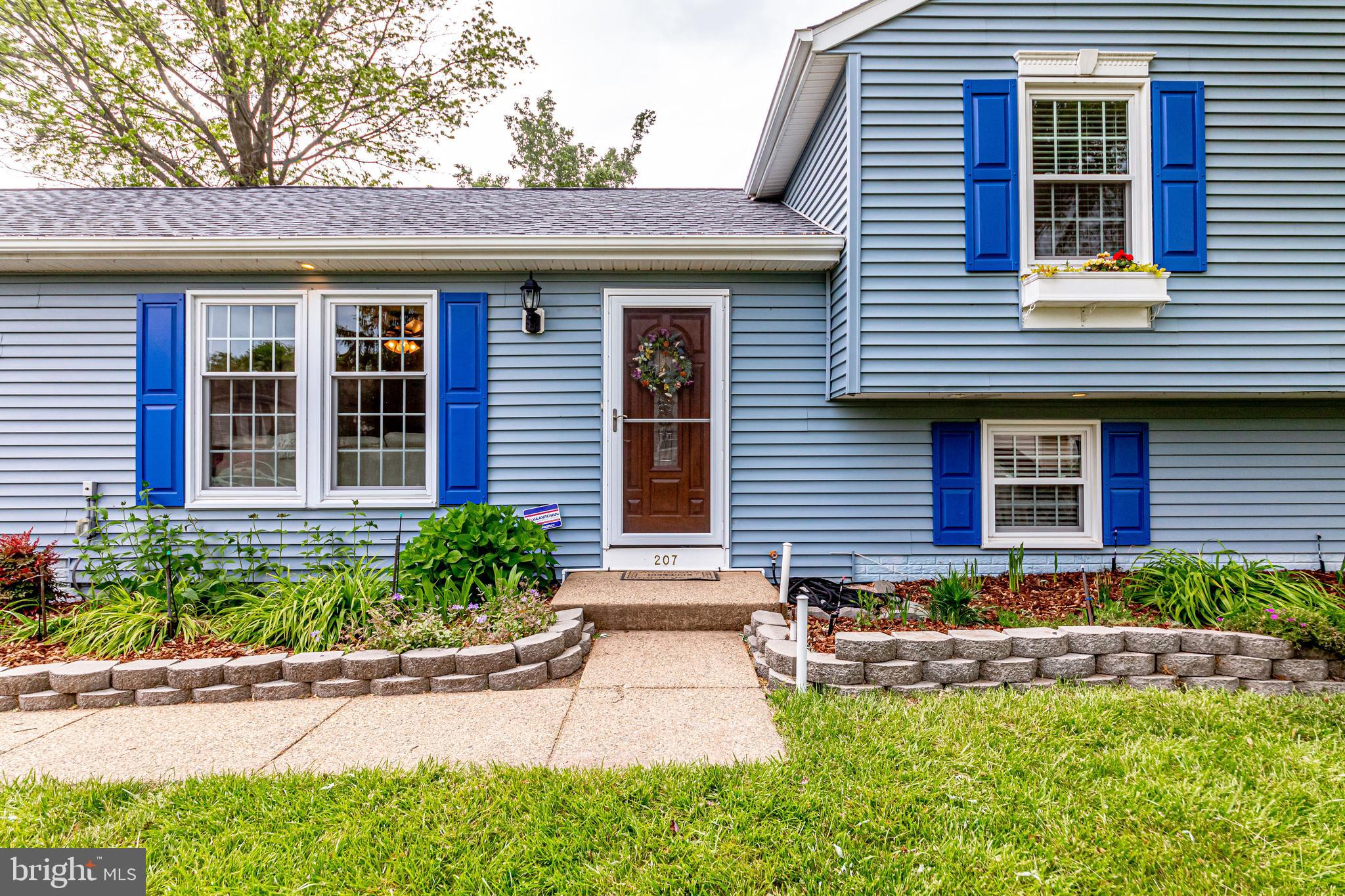 Absolutely stunning house totally renvoated!  New Roof Aug 2019, New Windows, renovated all 3 full b