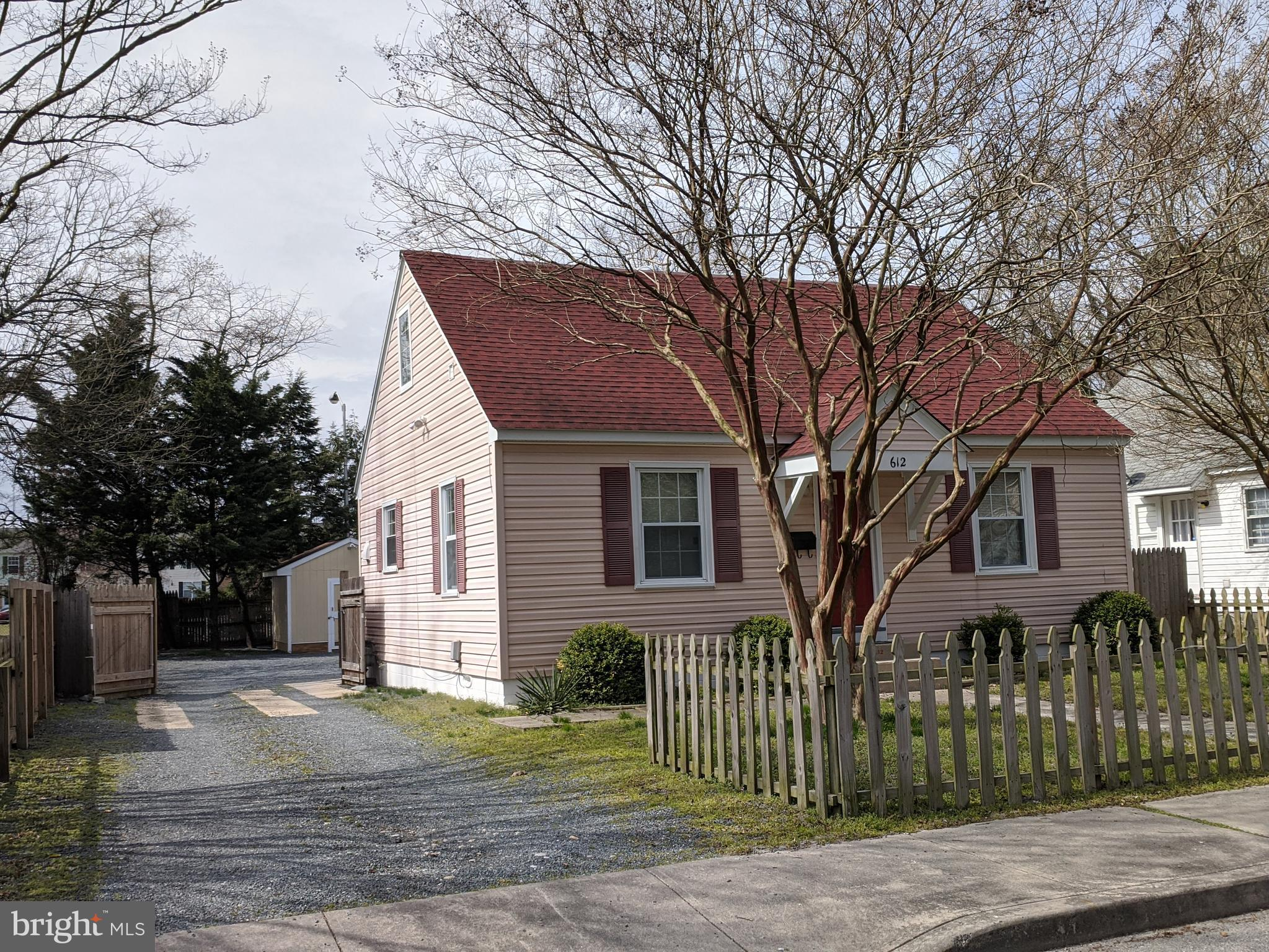 First time home buyer or investor.  This home in move in ready and Lead Free Certified.  Attractive