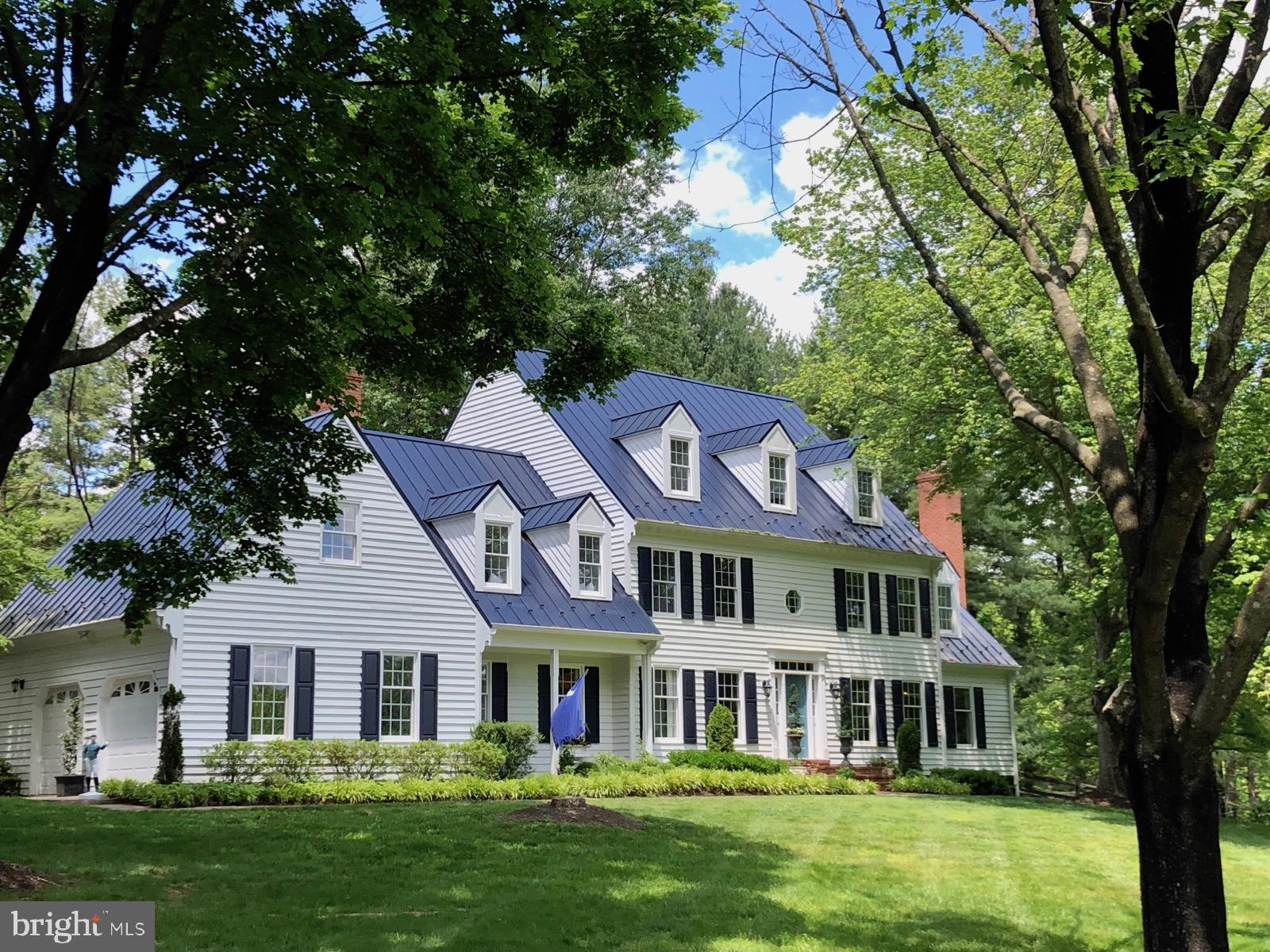 Escape the city to this  idyllic Middleburg neighborhood!  Work from home with excellent COMCAST int