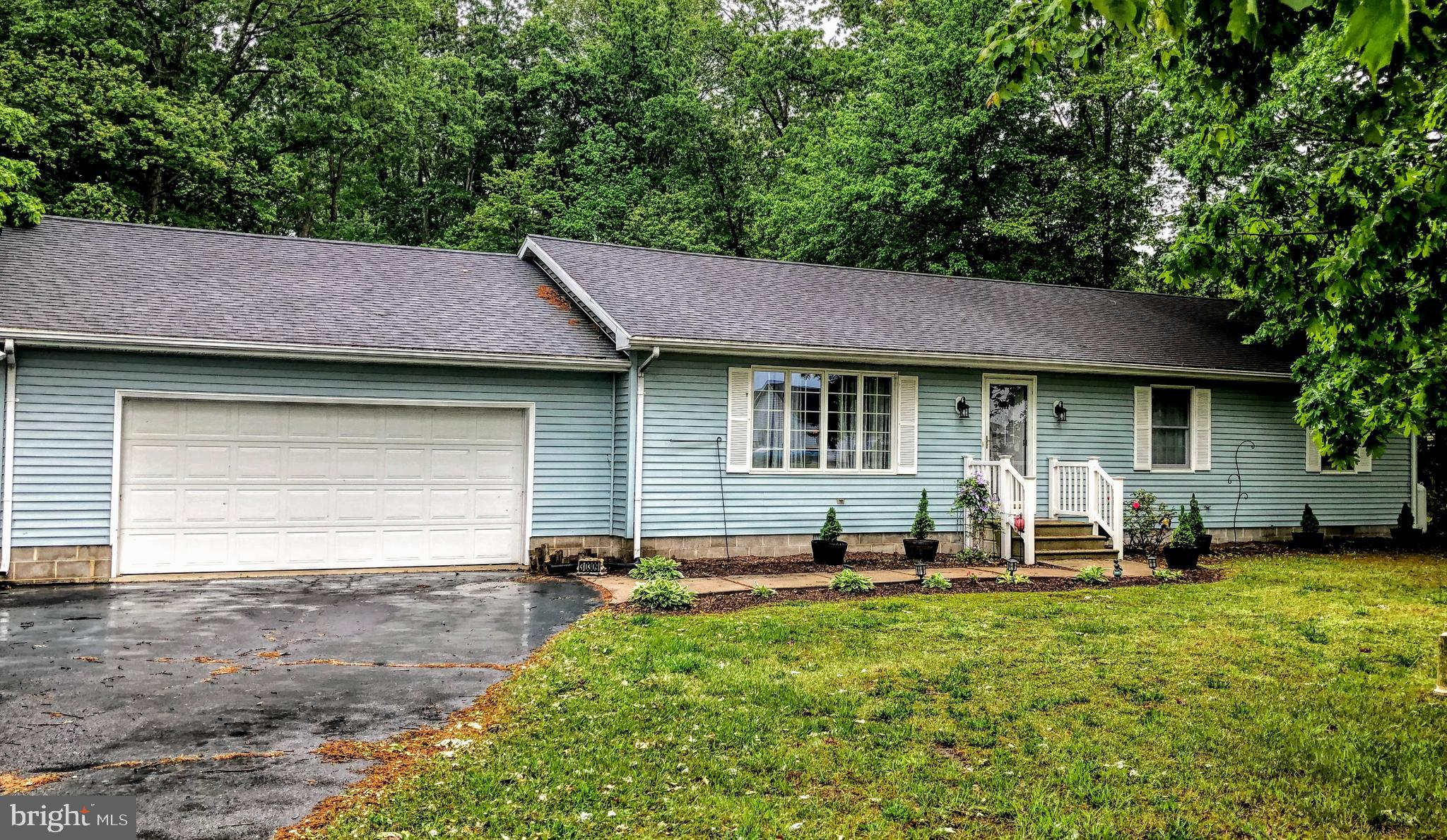 Must see this beautiful, well-maintained home in Millsboro, Sussex County close to beaches and shopp
