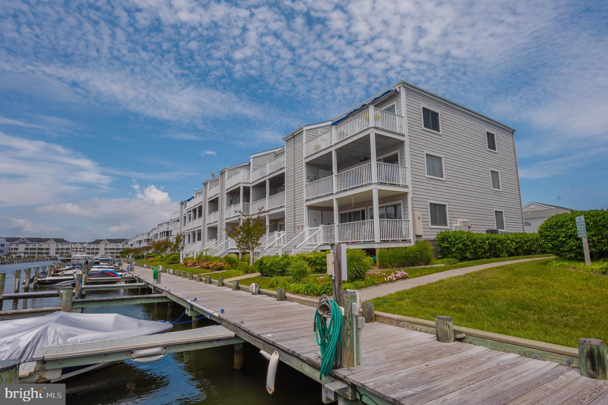 Very well maintained 2 bedroom second floor Hidden Harbour. You really will appreciate the pride of