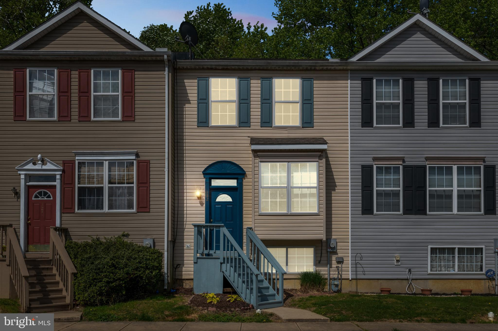 Beautiful 3 BR/2.5 bath townhouse in Elkton, MD with new luxurious carpeting throughout make this ho