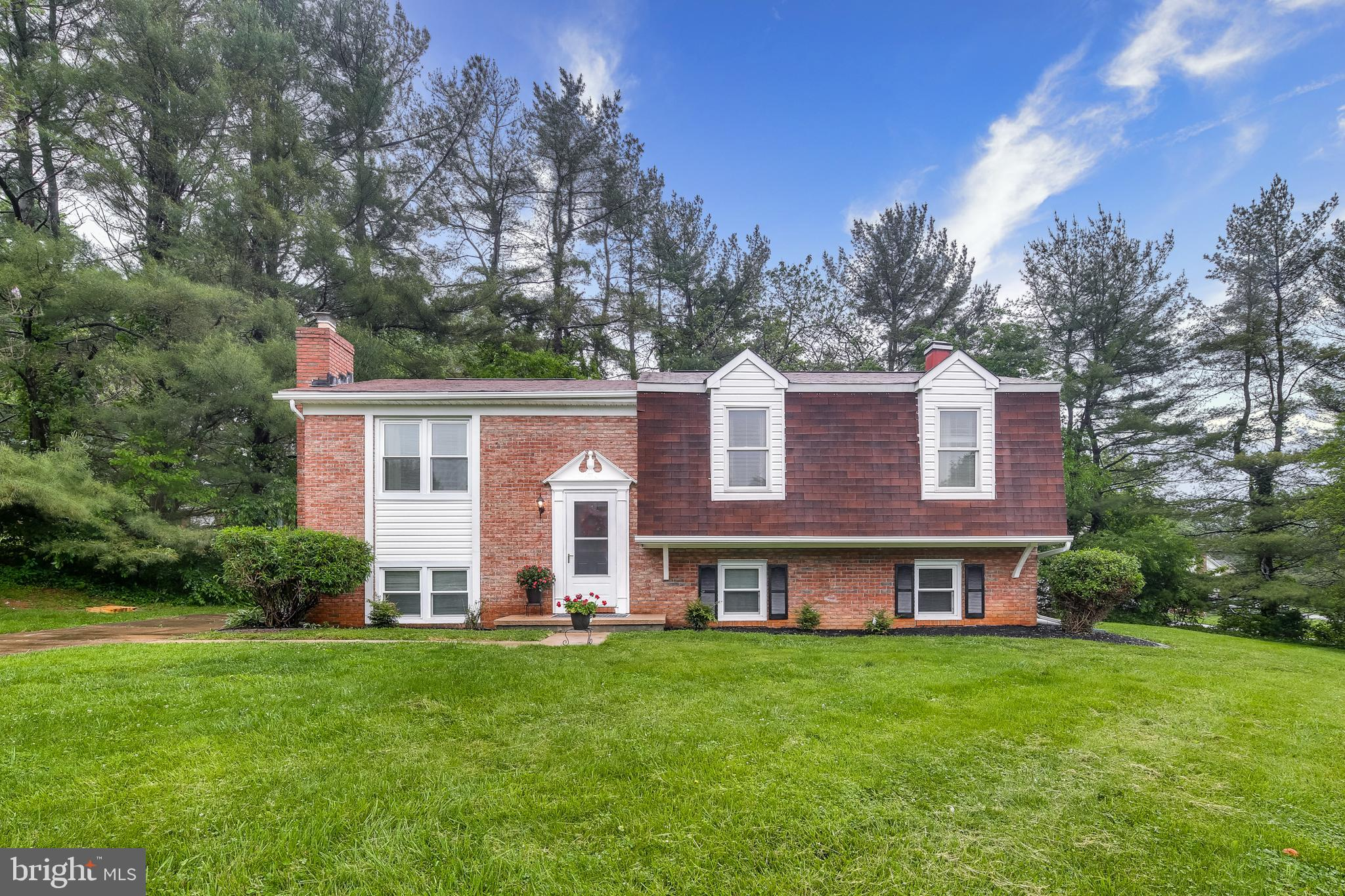 This is a beautiful split level home that is located on a corner lot on a cul-de-sac.  All levels ar