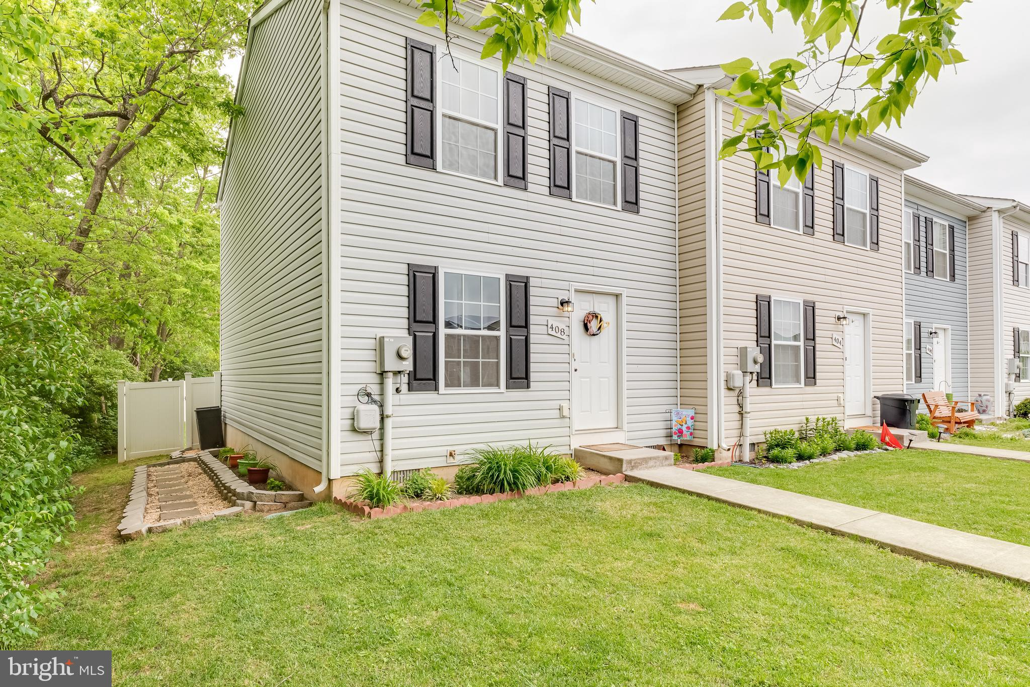 This remarkable 2BR End Unit Townhome is now available in South Berkeley County. This home is sure t
