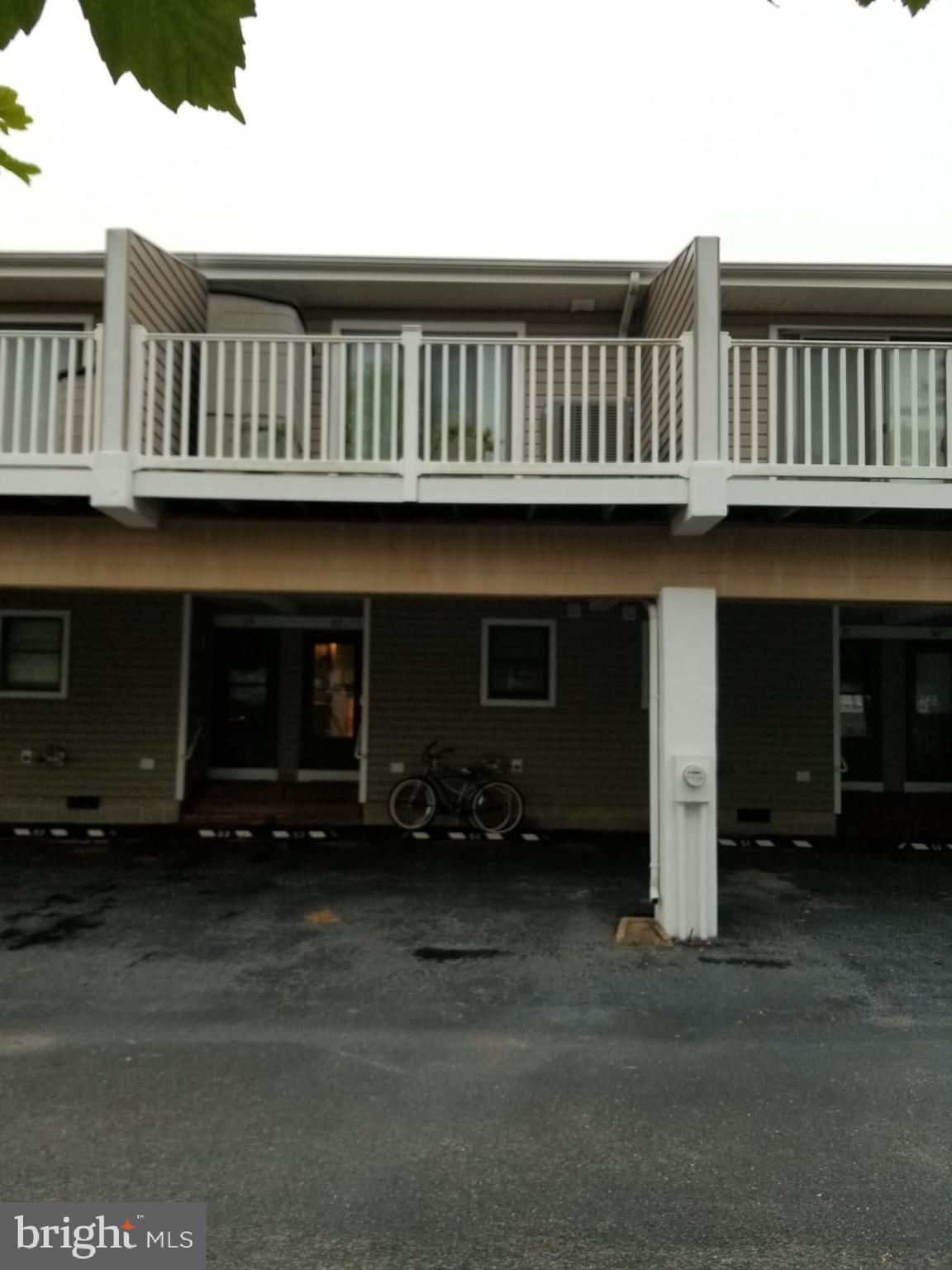 Located in the friendly neighborhood of Nassau Village, this two bedroom/ one and a half bathroom co