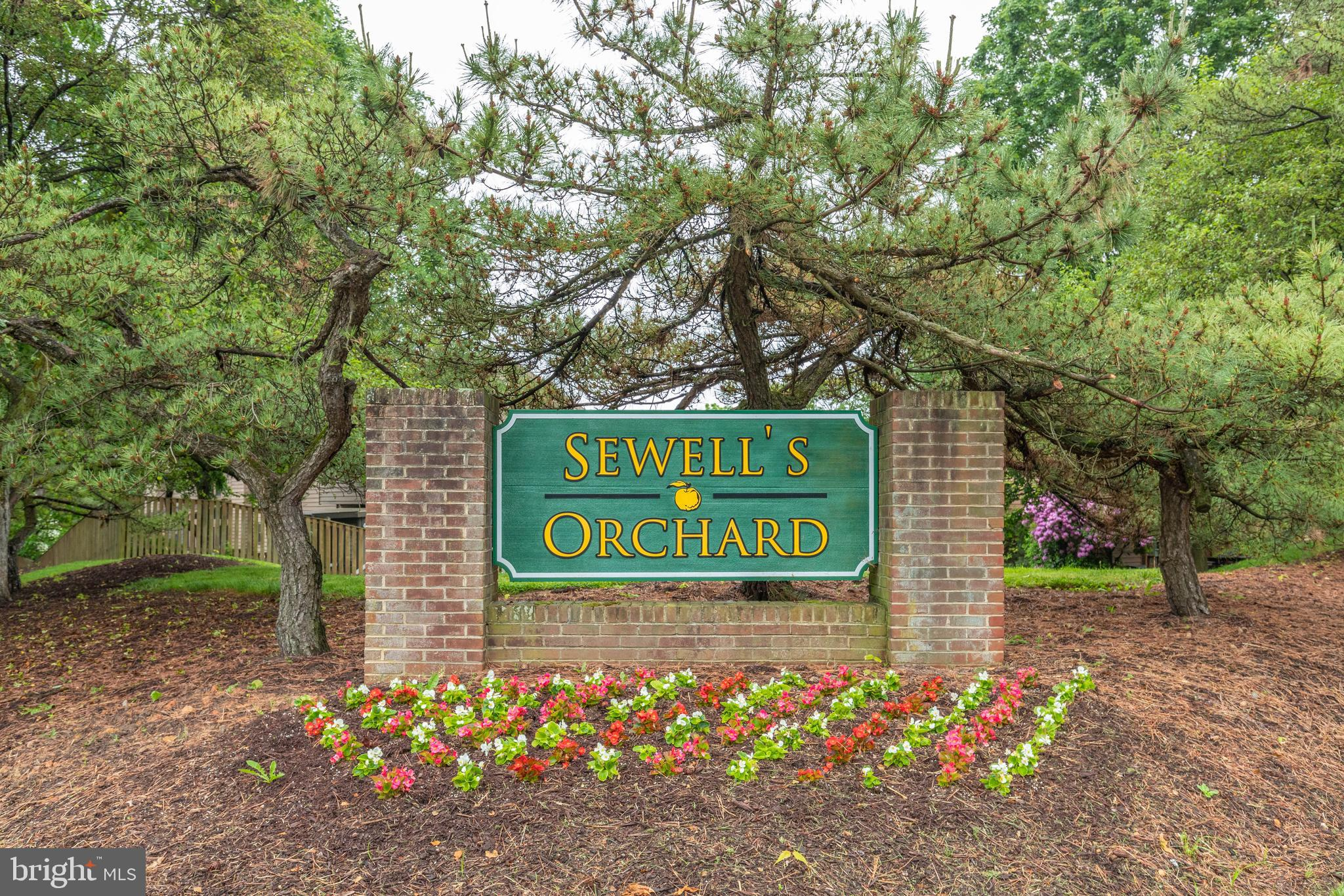 Beautiful 3 Bedroom, 2.5 Bath, 1 car garage Townhome located at the back of a cul-de-sac in Sewells