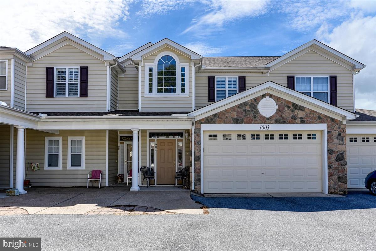 When your at the beach. don't you want an abundance of Sunshine !!! This lovely 3 bedroom, 2 full Ba