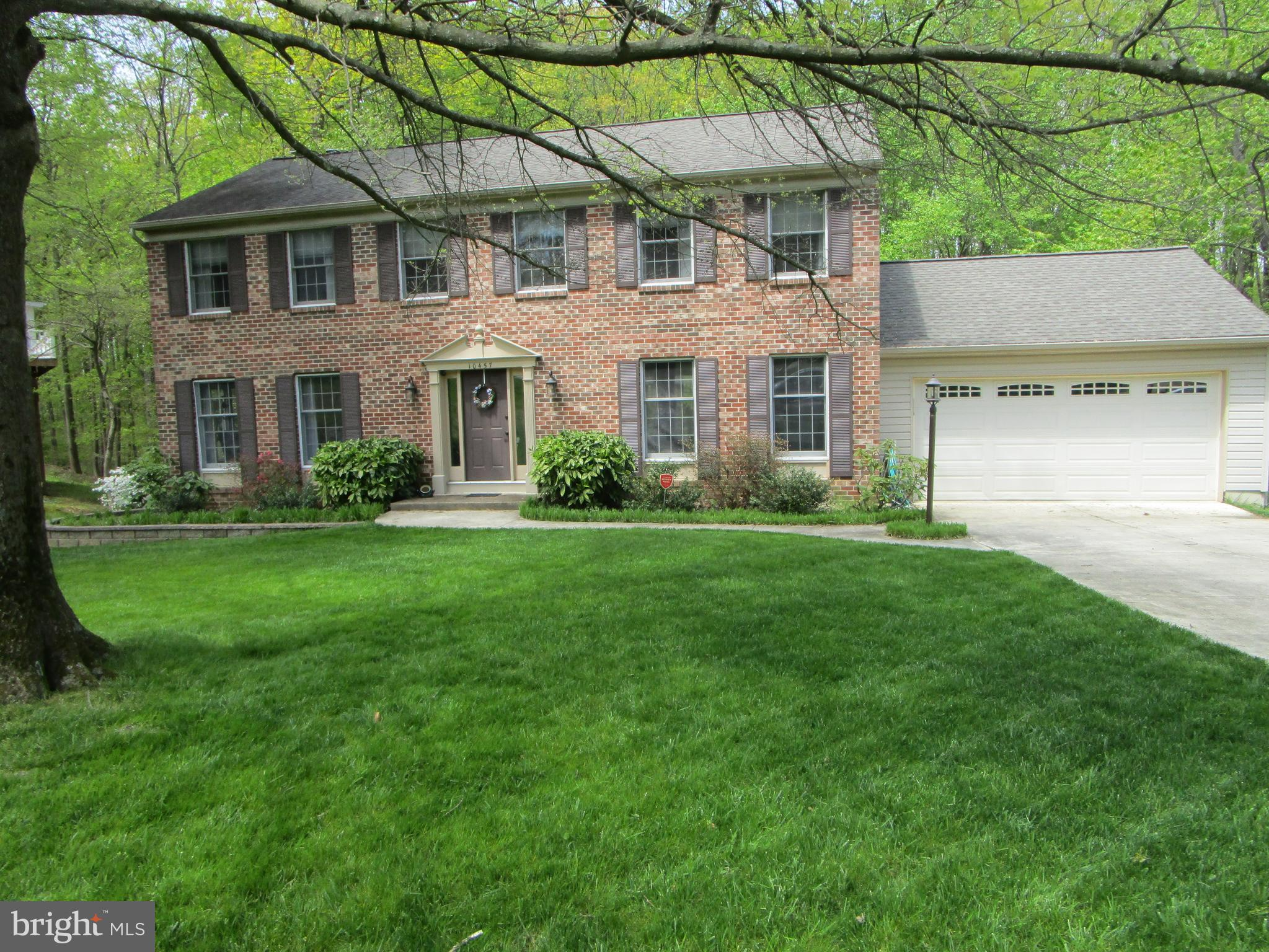 Vacant + ready to go!!    Original owners!!   5 bedrooms  3.5 baths brick front colonial with a full
