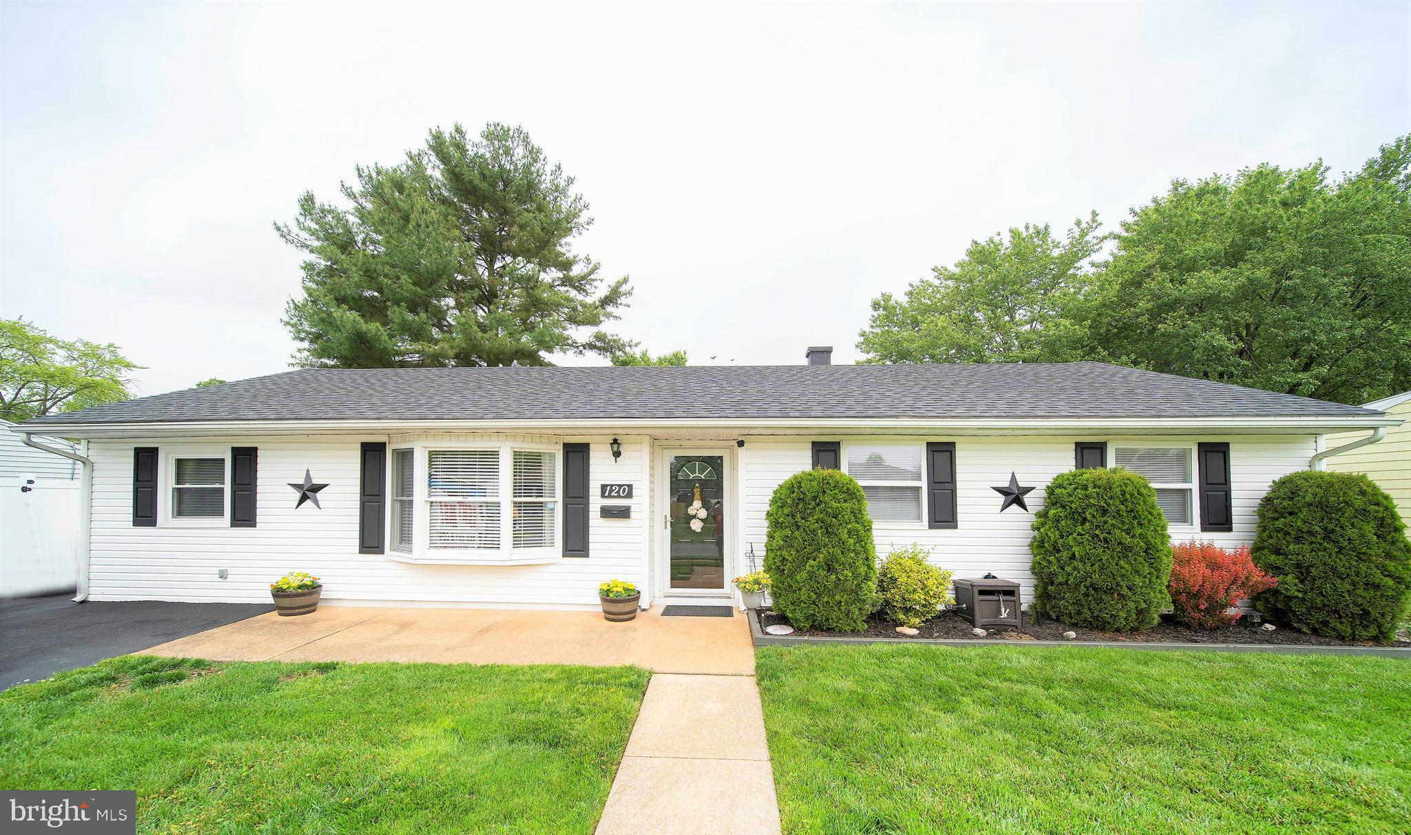 METICULOUSLY MAINTAINED RANCH IN NEWARK - This charming home features 4 bedrooms / 1 bath and is loc