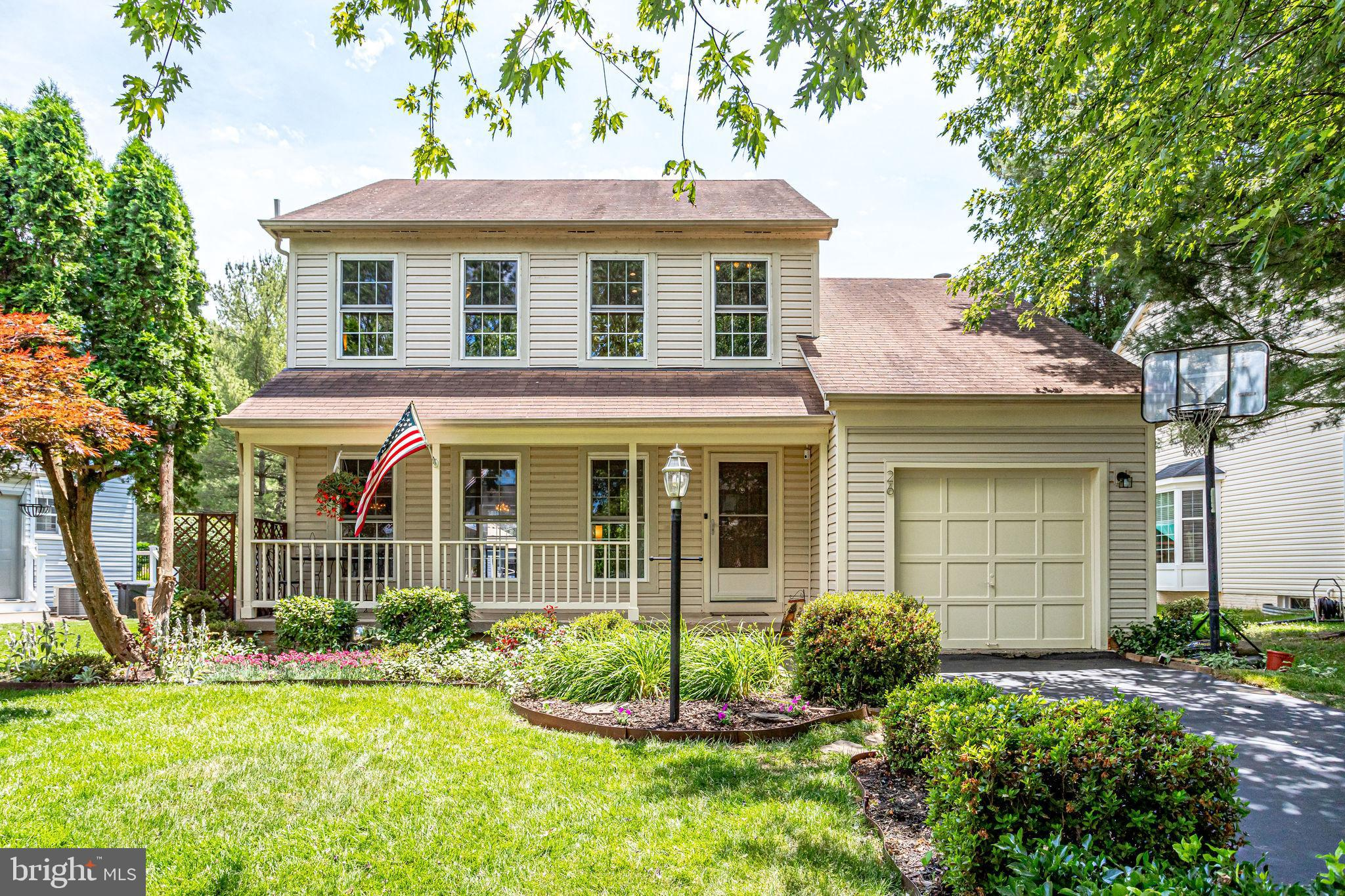 JUST LISTED! Incredible Single Family Home in the sought-after Countryside Community. This is the on