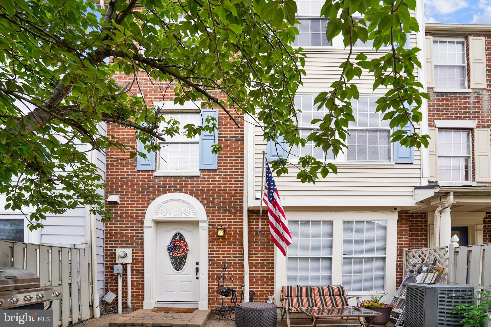 Hurry.  This one will not last.   Easy access to shops, downtown Frederick, local parks, hospital, s