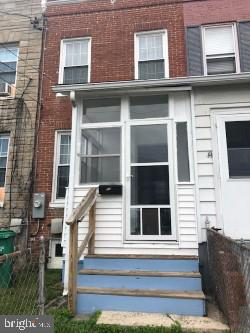 Charming 2 bdrm 1 bath, area  on 2nd floor can be, study, sitting area, workout area, you decide!  B