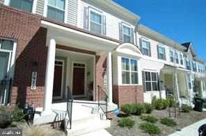 Welcome home to this 3 level town home style condominium minutes to Quantico, I95, Ft. Belvoir, comm