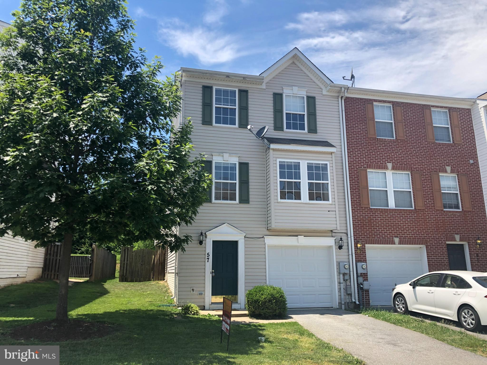 End Unit Garage Town Home with approximately 2400 sq ft of space in Charles Town close to MD VA corr