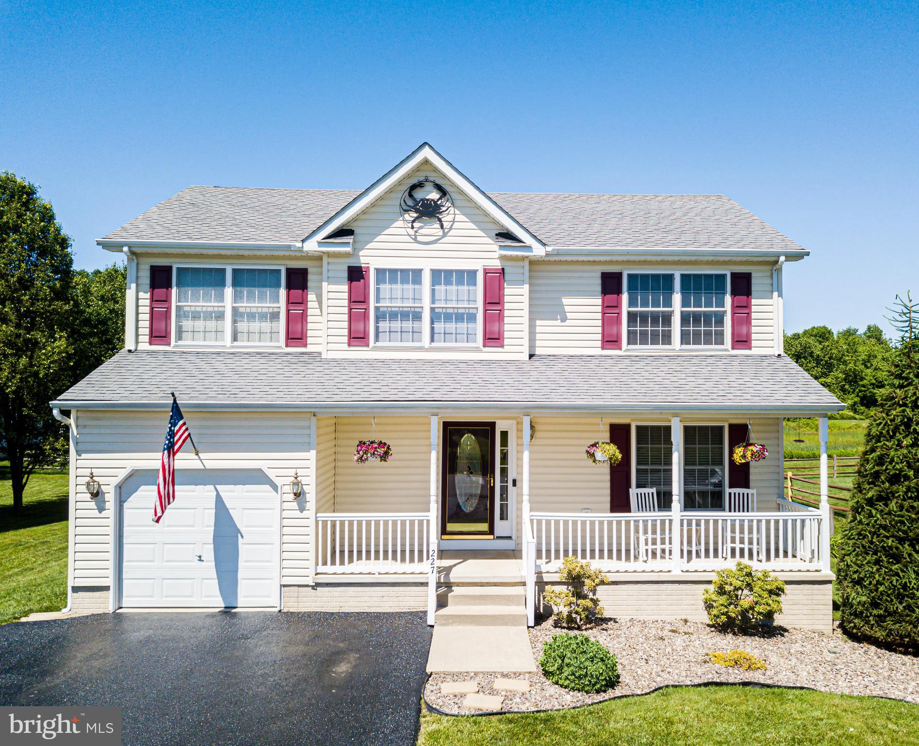 4 Bedrooms 2.5 bath home with water access to the Elk River in desirable Kensington Courts!   Ready