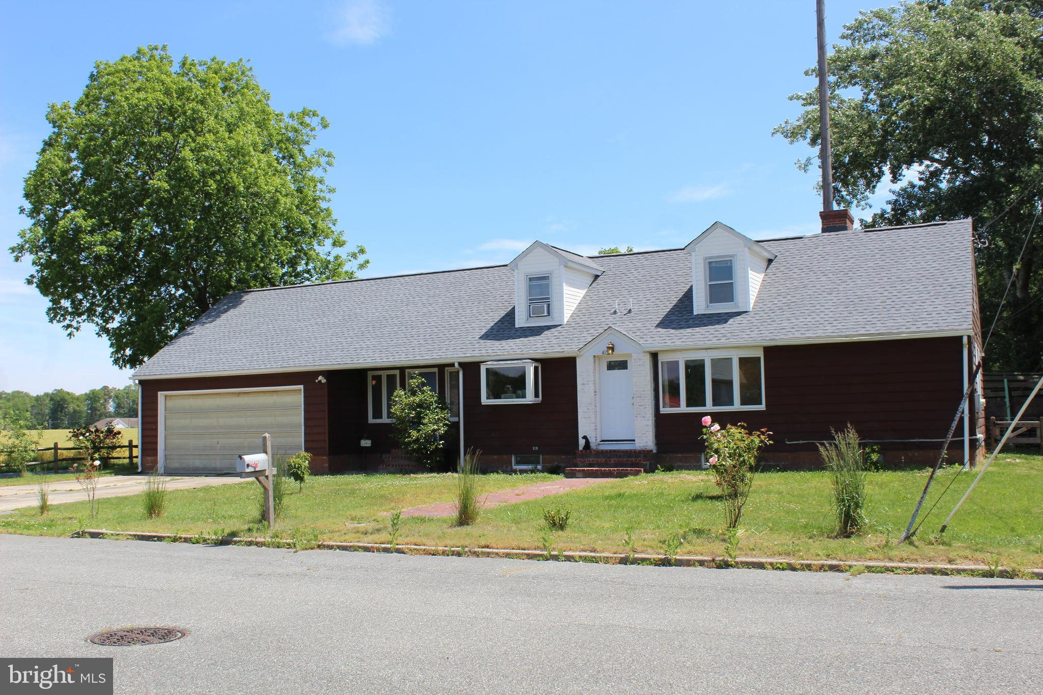 Come see this home right inside Town Limits of Up-and-Coming Milton with a lot to offer!  Enjoy bein