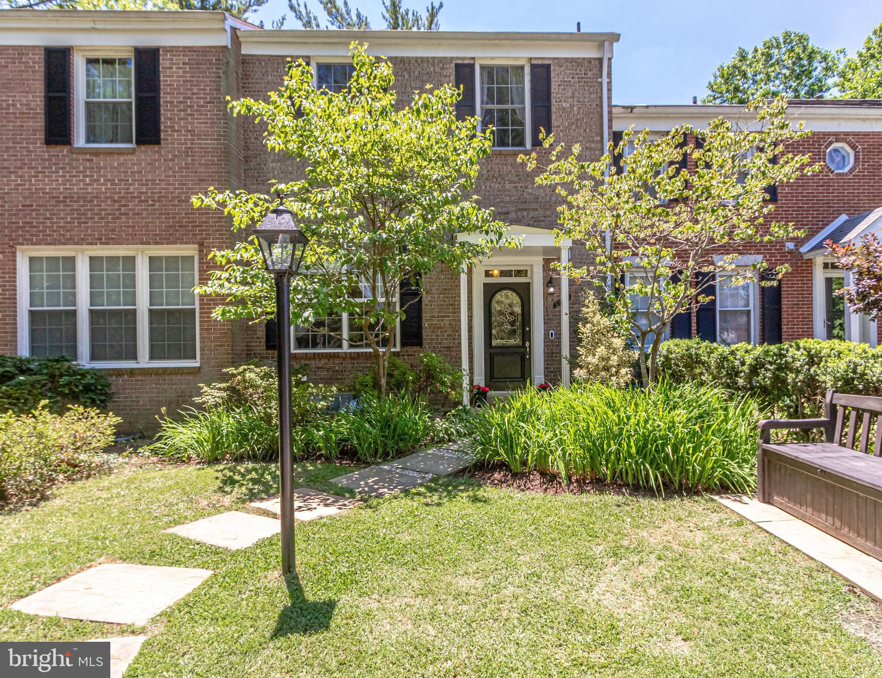 Incredible, turn-key home in Lake Braddock! Upon entry, you will find a tile foyer with a captivatin