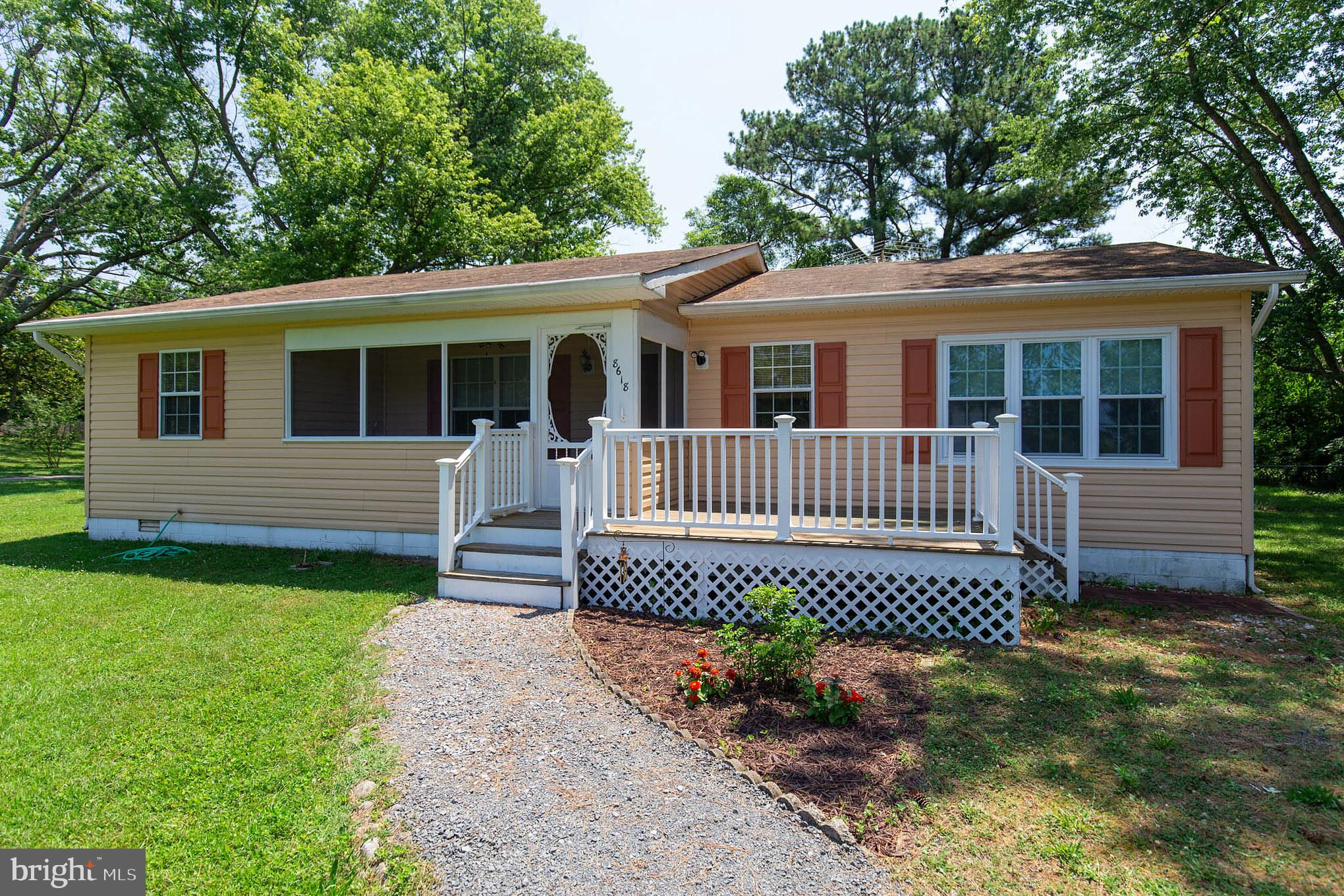 Live the Island Life! This 3 bed/2 bath home is the perfect starter home. You'll love how the kitche