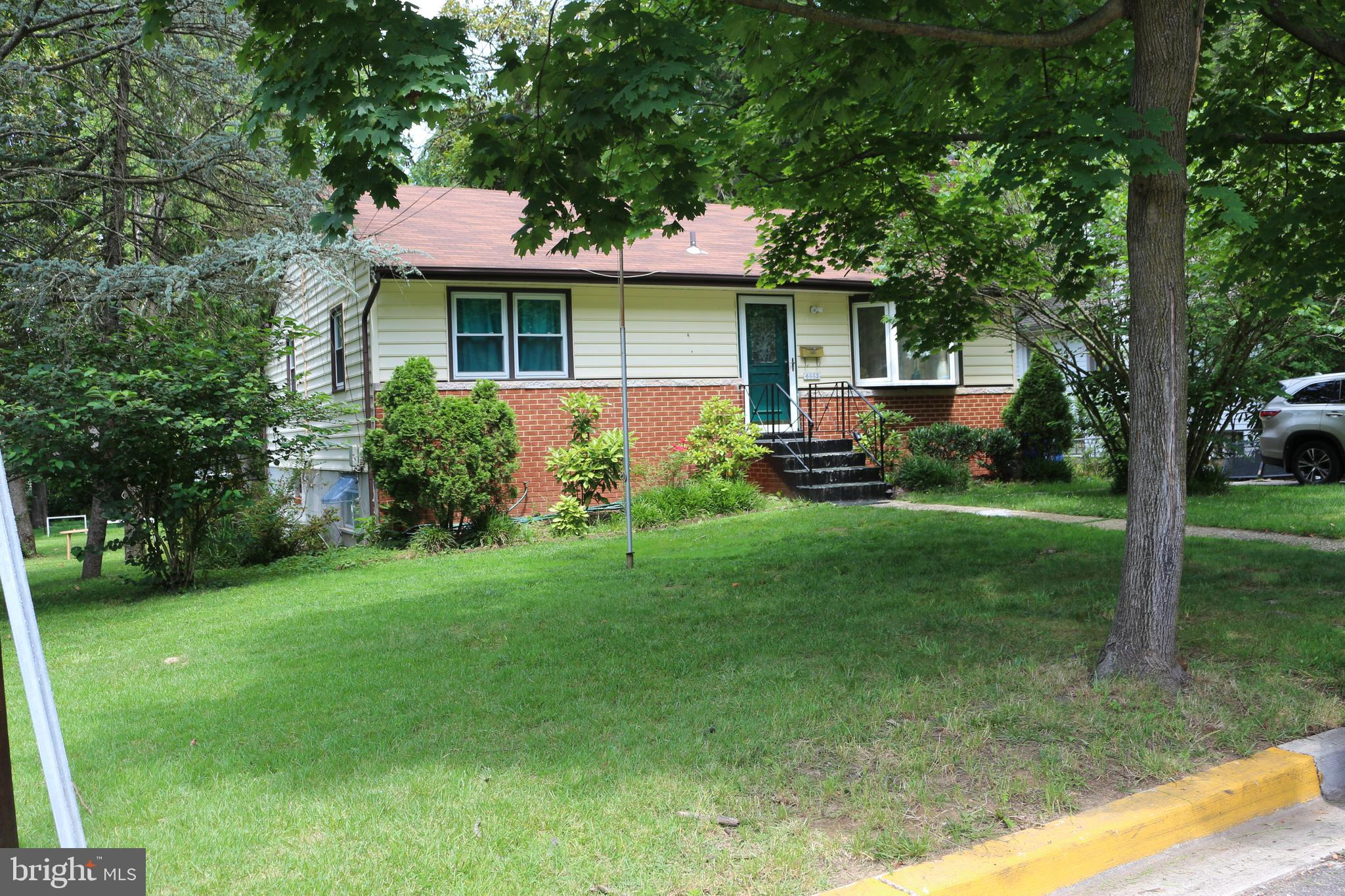 Single-family home finished basement with space for rooms and kitchenette.  Located in a quiet neigh