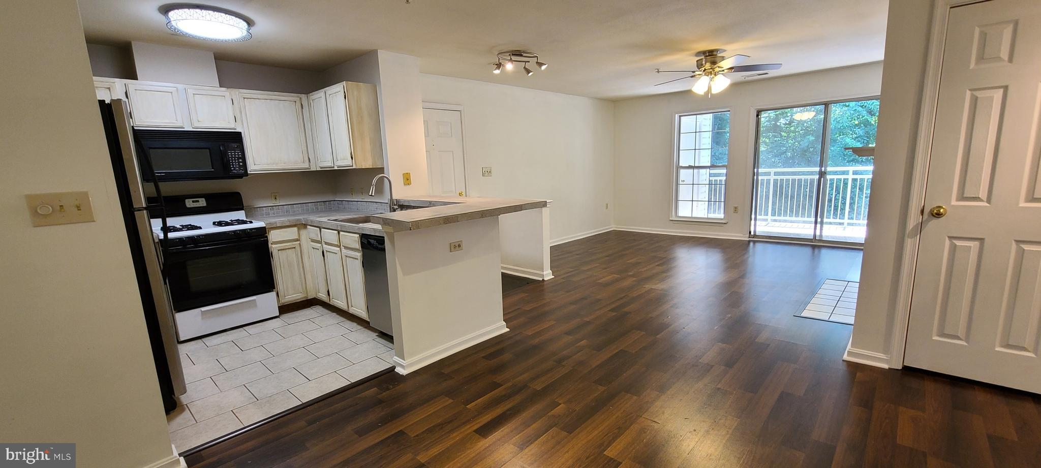 With a total monthly payment of approximately $1,000, Why pay rent? don't miss this great 2 bedroom