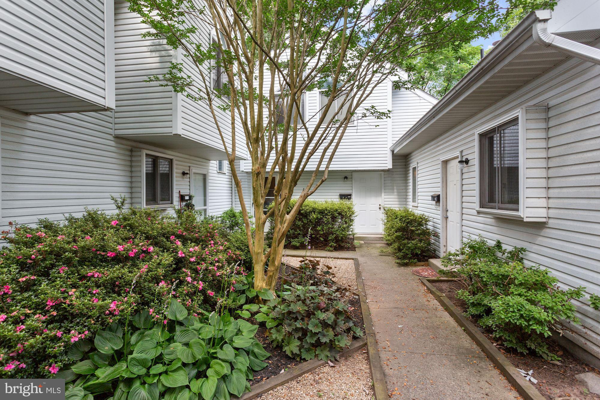 This unique 2BR/2BA garden style condo is located in the heart of downtown Herndon. Open concept floorplan with loft/second bedroom and bath. Hardwood floors on main level.  Updated kitchen with granite, stainless steel appliances.  Updated baths with ceramic tile floors.   HVAC replaced in 2014. Enjoy your fenced in back yard.  Just minutes to town green, shopping, restaurants,  beer garden, W&OD Trail and much more. Don't miss out!