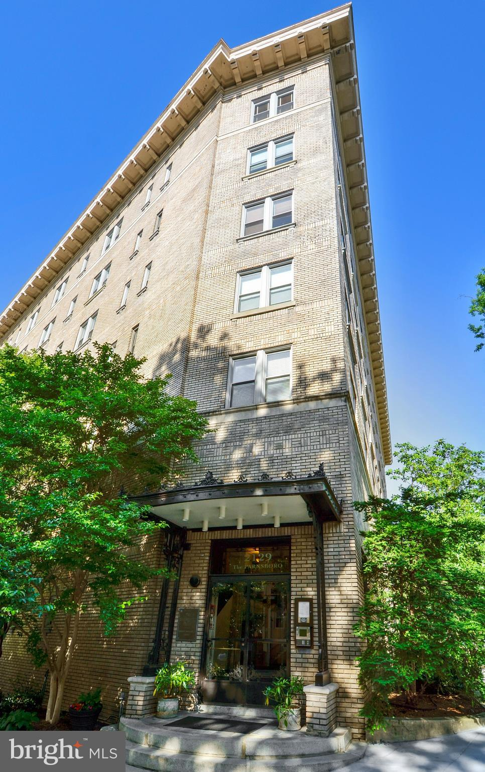 Gorgeous 2 BR/2 BA incredibly spacious corner condo in the heart of Kalorama/Dupont at the landmark