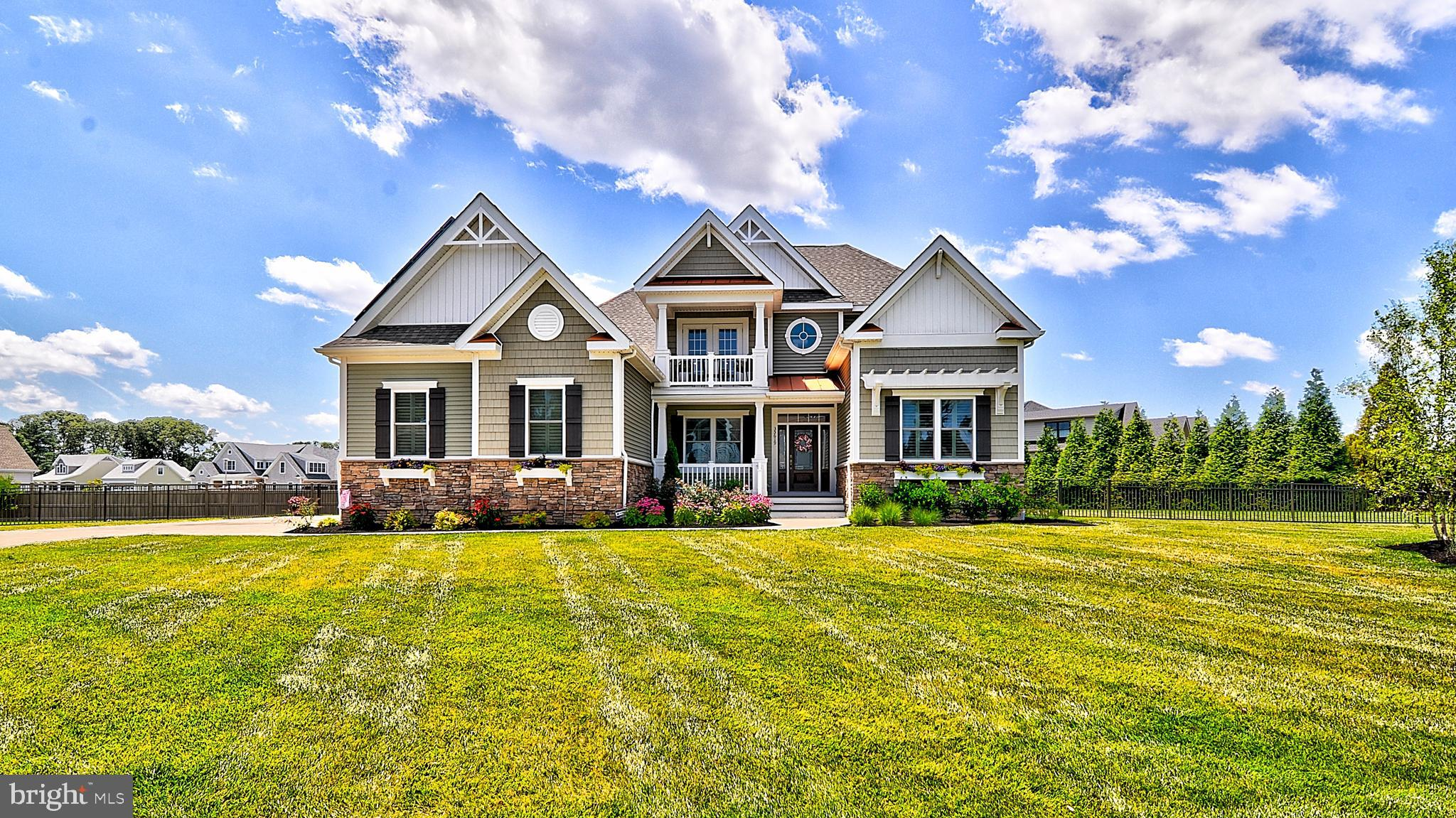 Newly built spacious home with cathedral ceilings, wide open views and an open floor plan has 4 bedr