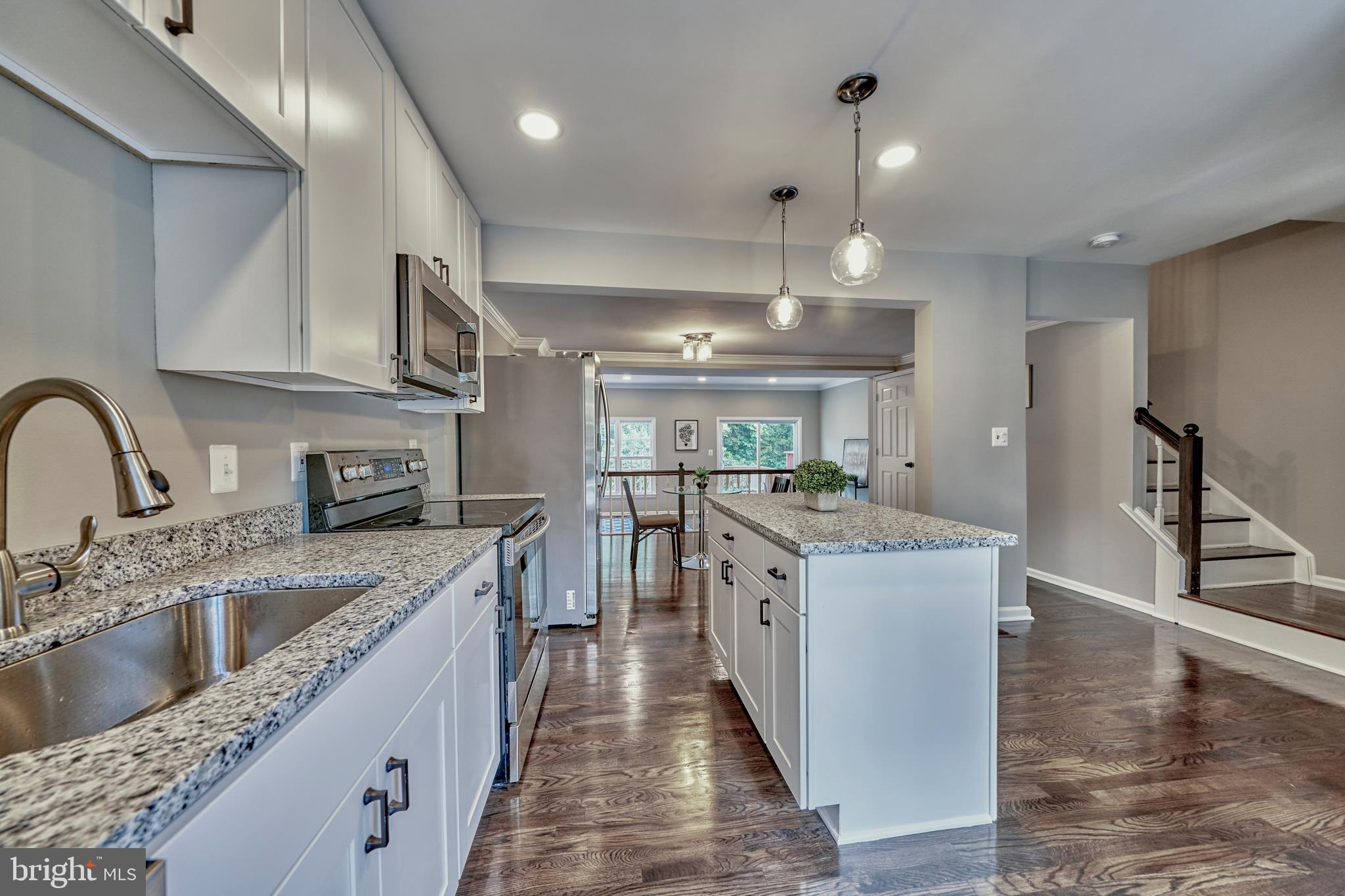 ***OPEN HOUSE 7/5 1-3pm***EXQUISITELY REMODELED TOWN HOME...Welcome to 13419 Foxhole Dr.!  BRAND NEW