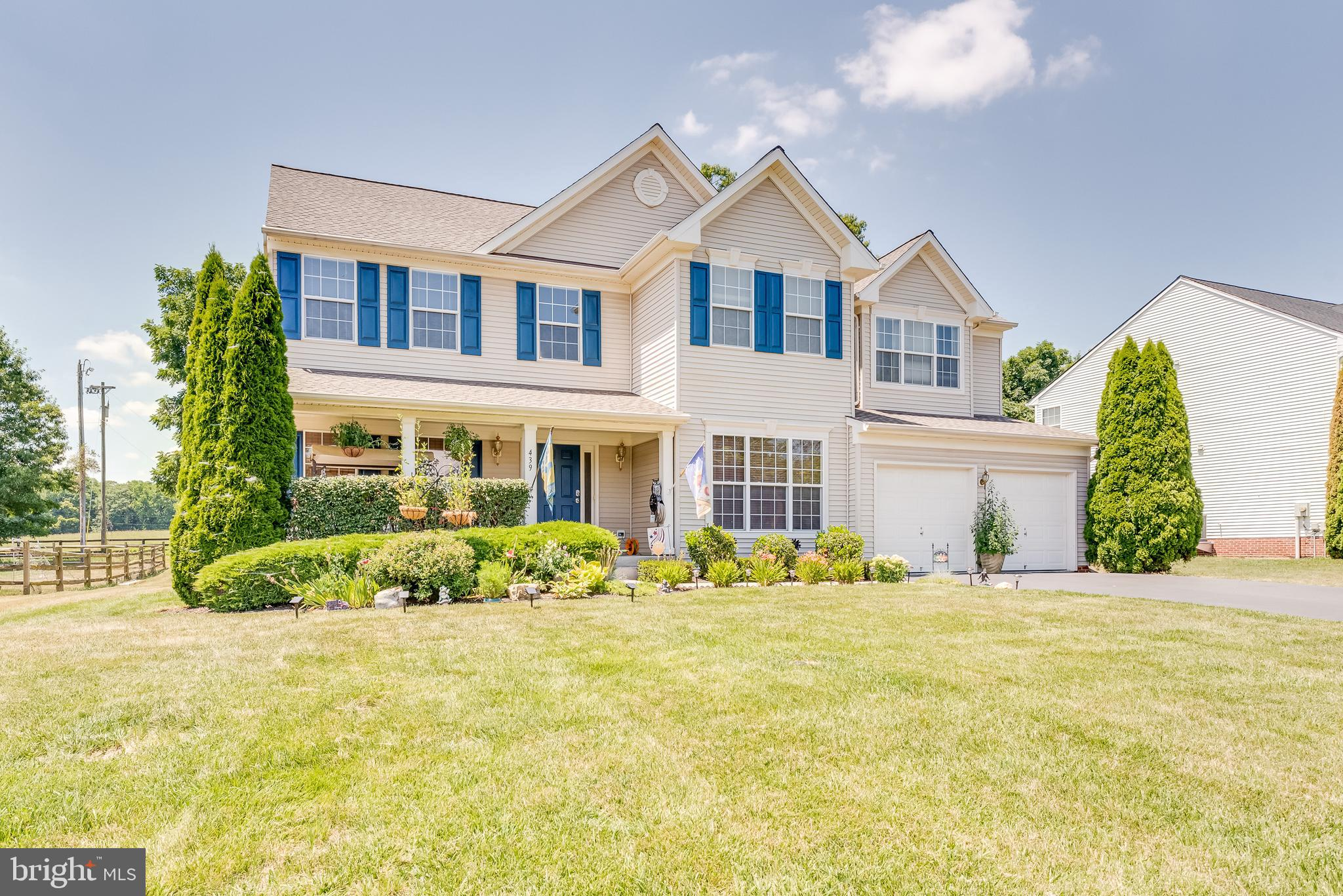 Locust Hill has a home you ! Colonial home with 5 bedrooms,  A stunning Kitchen,   Breakfast Area, B