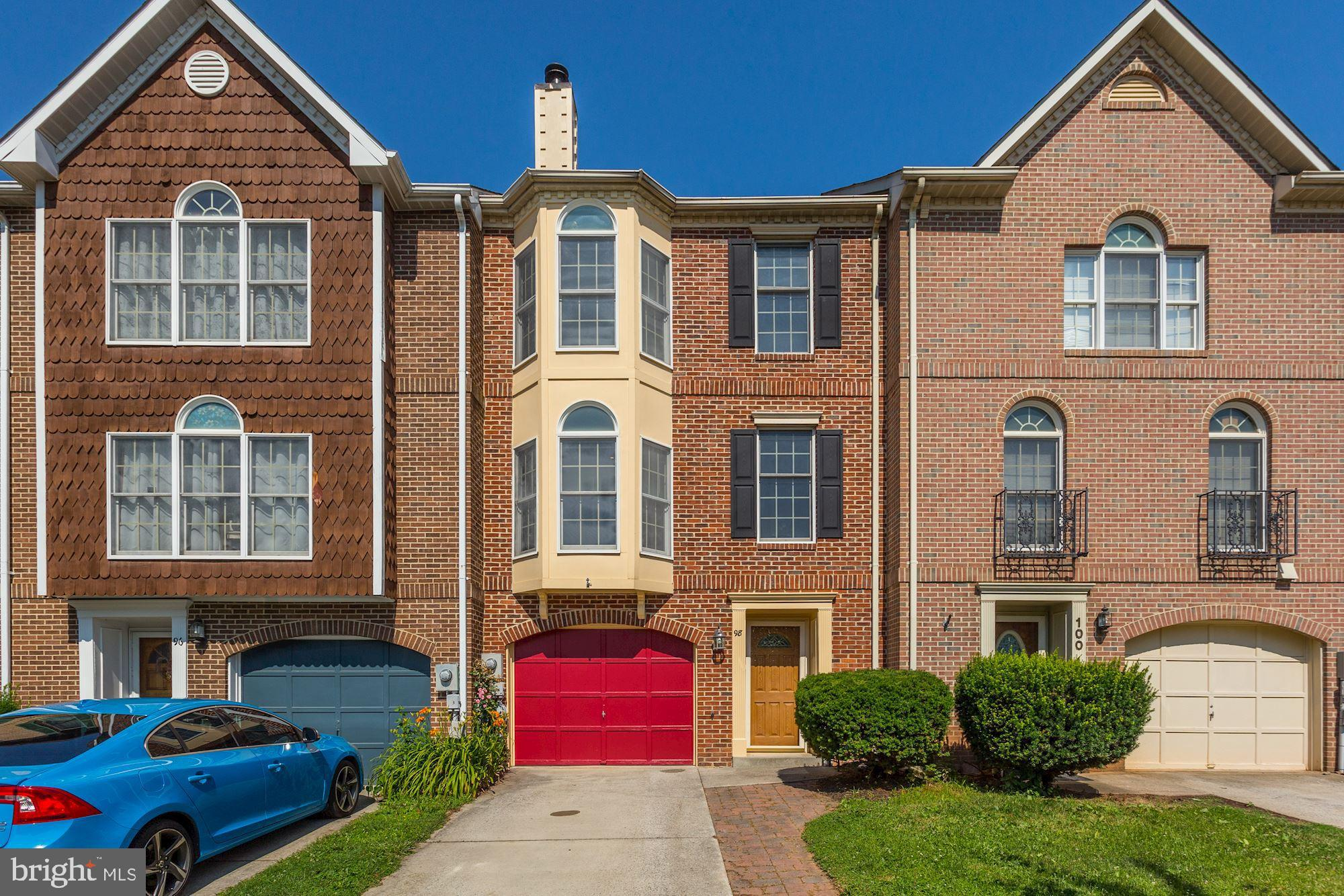 Fantastic Opportunity for Home Ownership! Brick-front 3 level Townhome; Recently replaced roof; rear