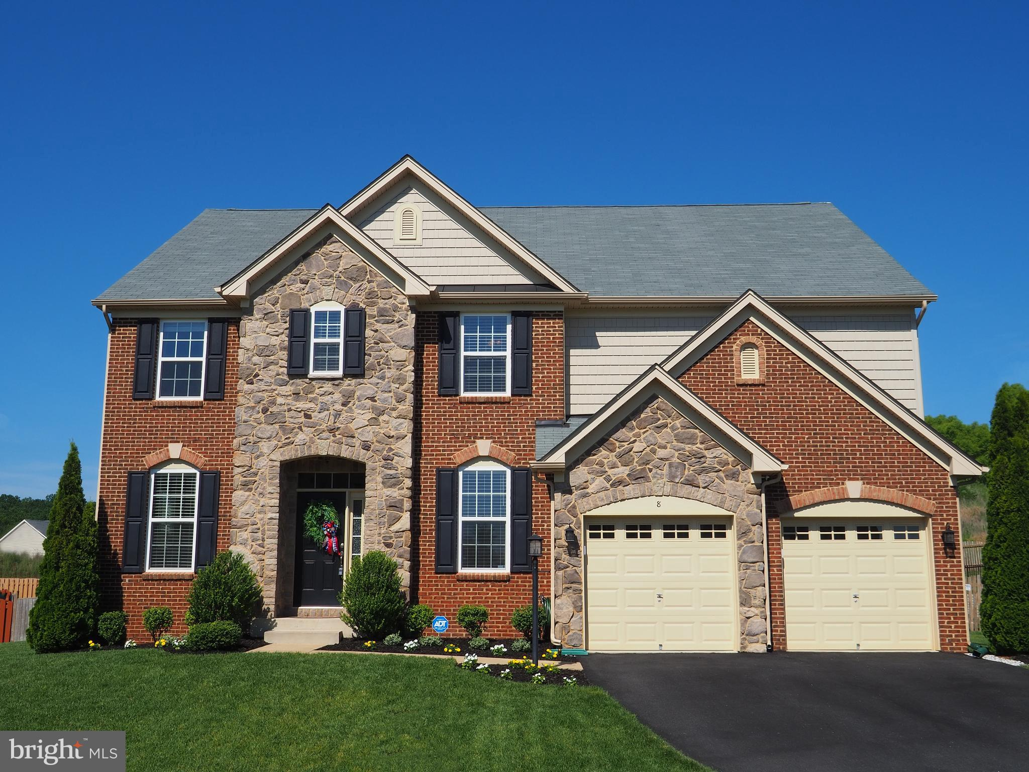 THE AMAZING CURB APPEAL IS JUST THE BEGINNING!!! GORGEOUS INSIDE WITH HARDWOODS, LARGE GRANITE ISLAN