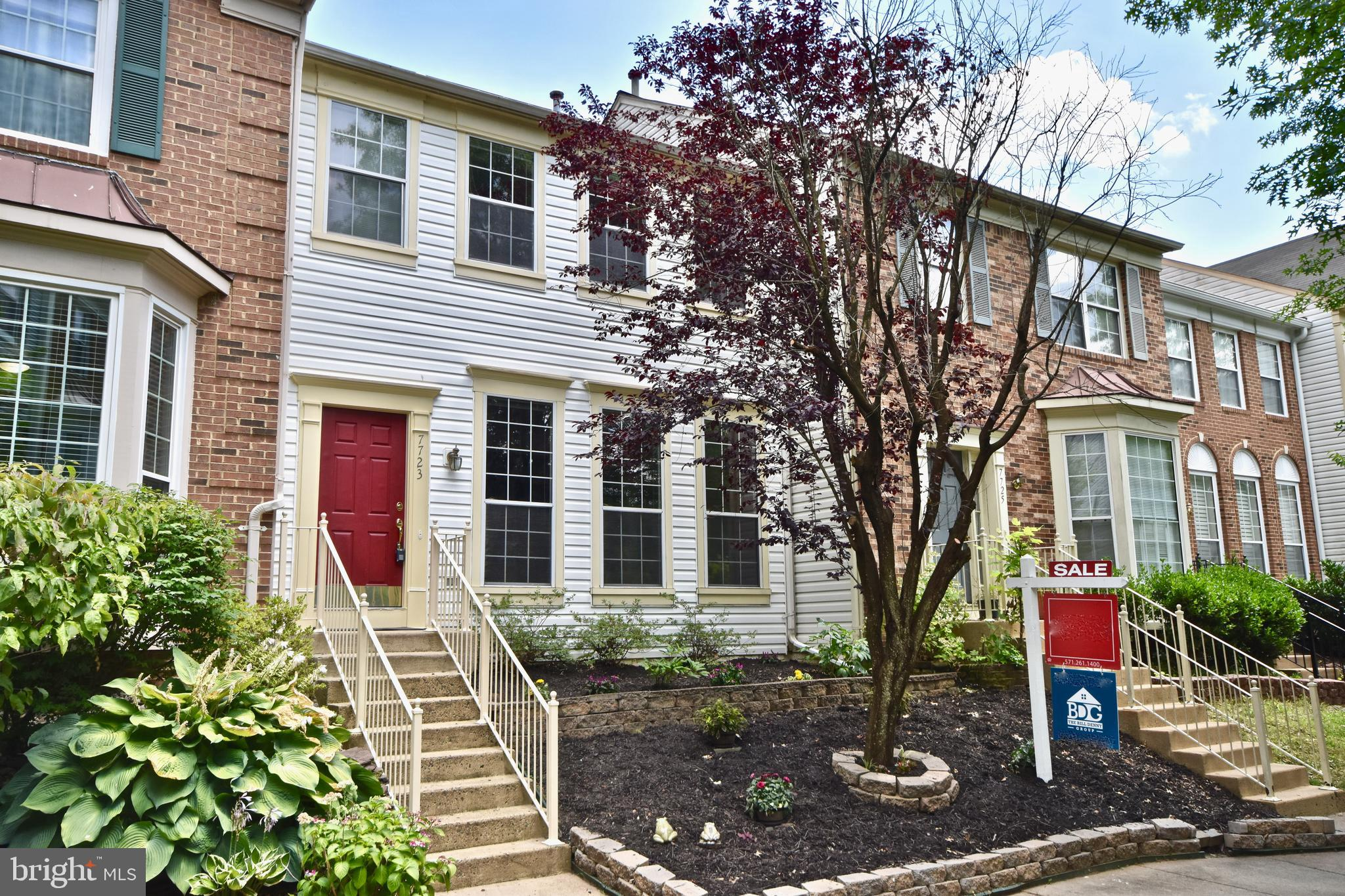 Home sweet Home. You will LOVE this wonderful town home in Island Creek! Three bedrooms, three and a