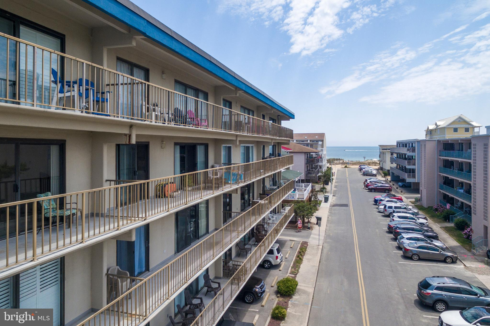 Mid-town Ocean Block - incredible location. A 3-bed/2-bath condo priced to sell and it has an indoor