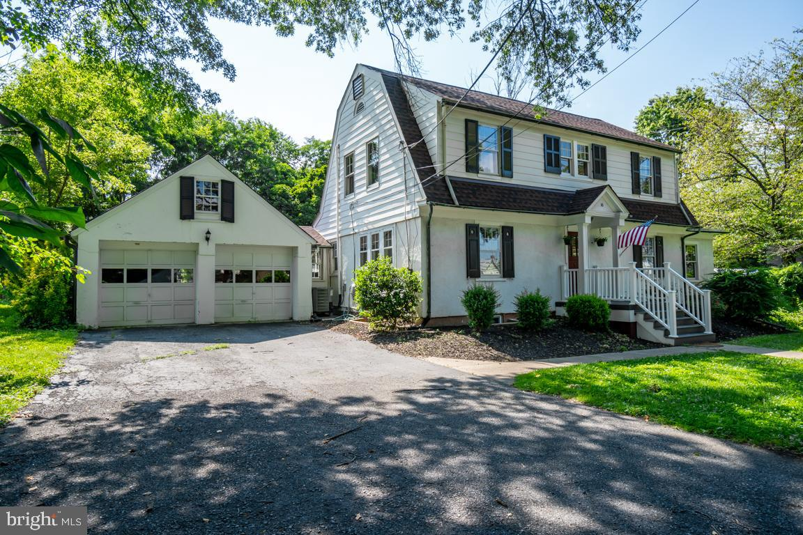 Don~t miss this beautifully updated home in the charming Historic District within the City of Gaithe
